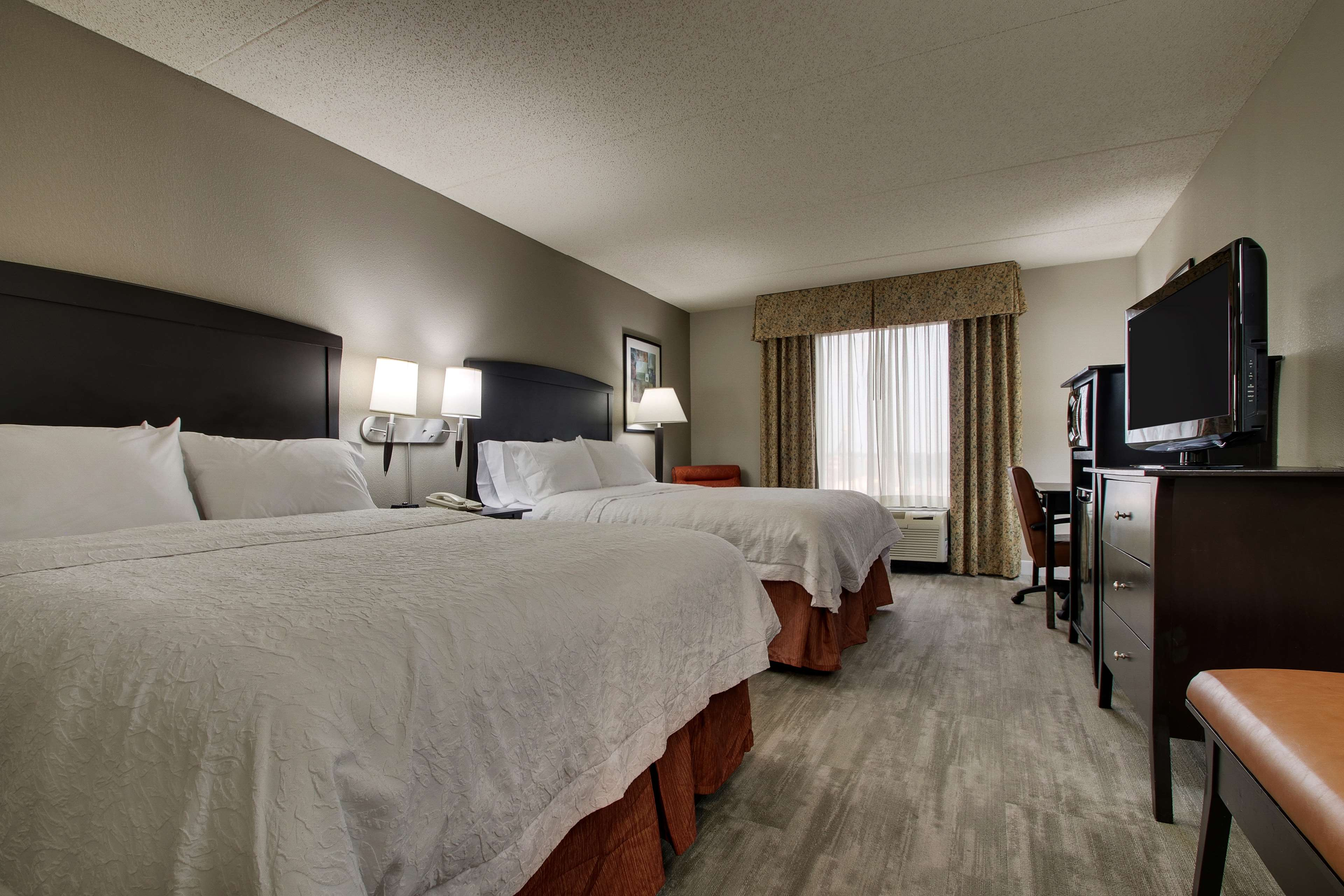 Hampton Inn & Suites Spartanburg-I-26-Westgate Mall image 33