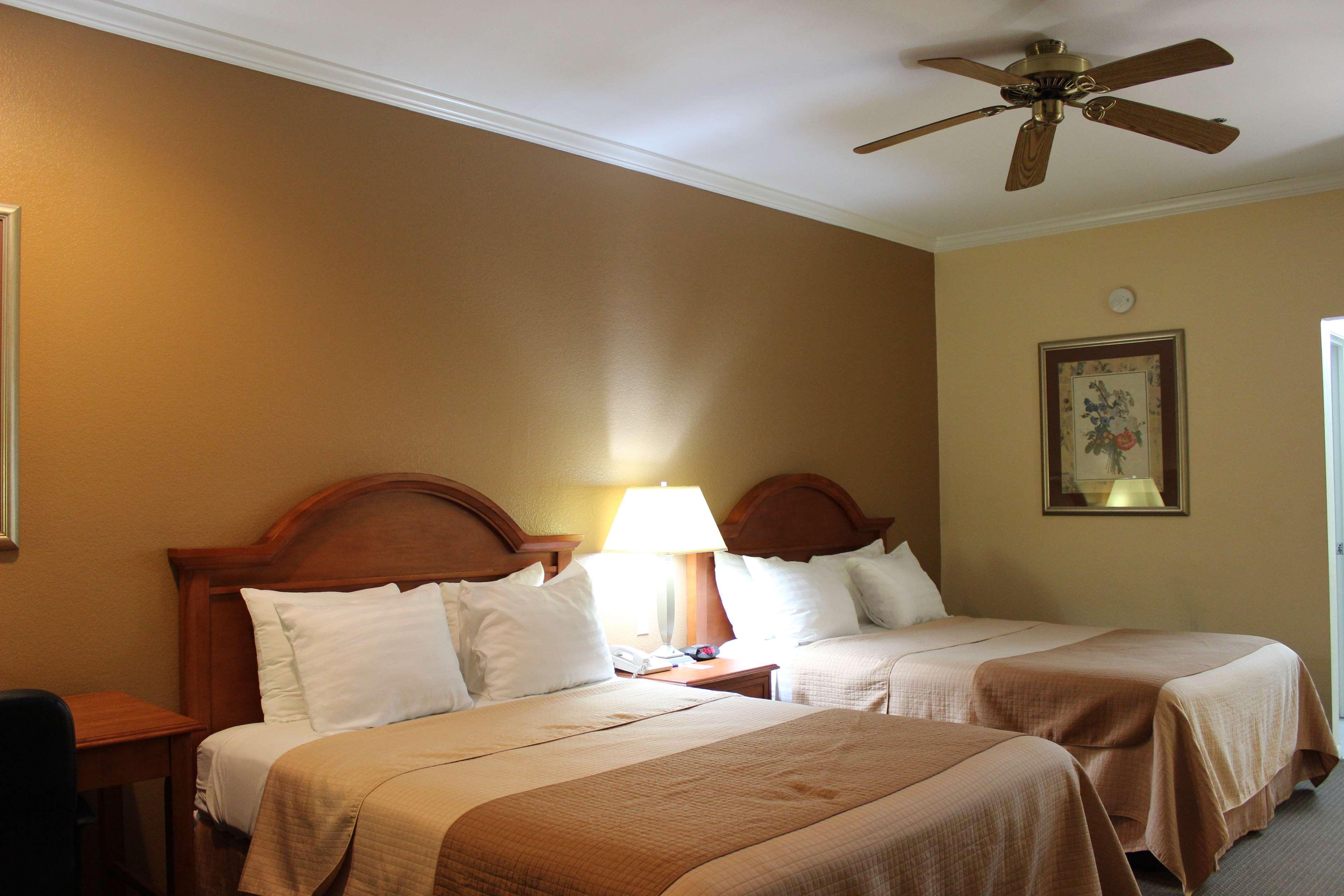 Best Western Inn of Navasota image 29