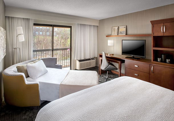 Courtyard by Marriott Parsippany image 4