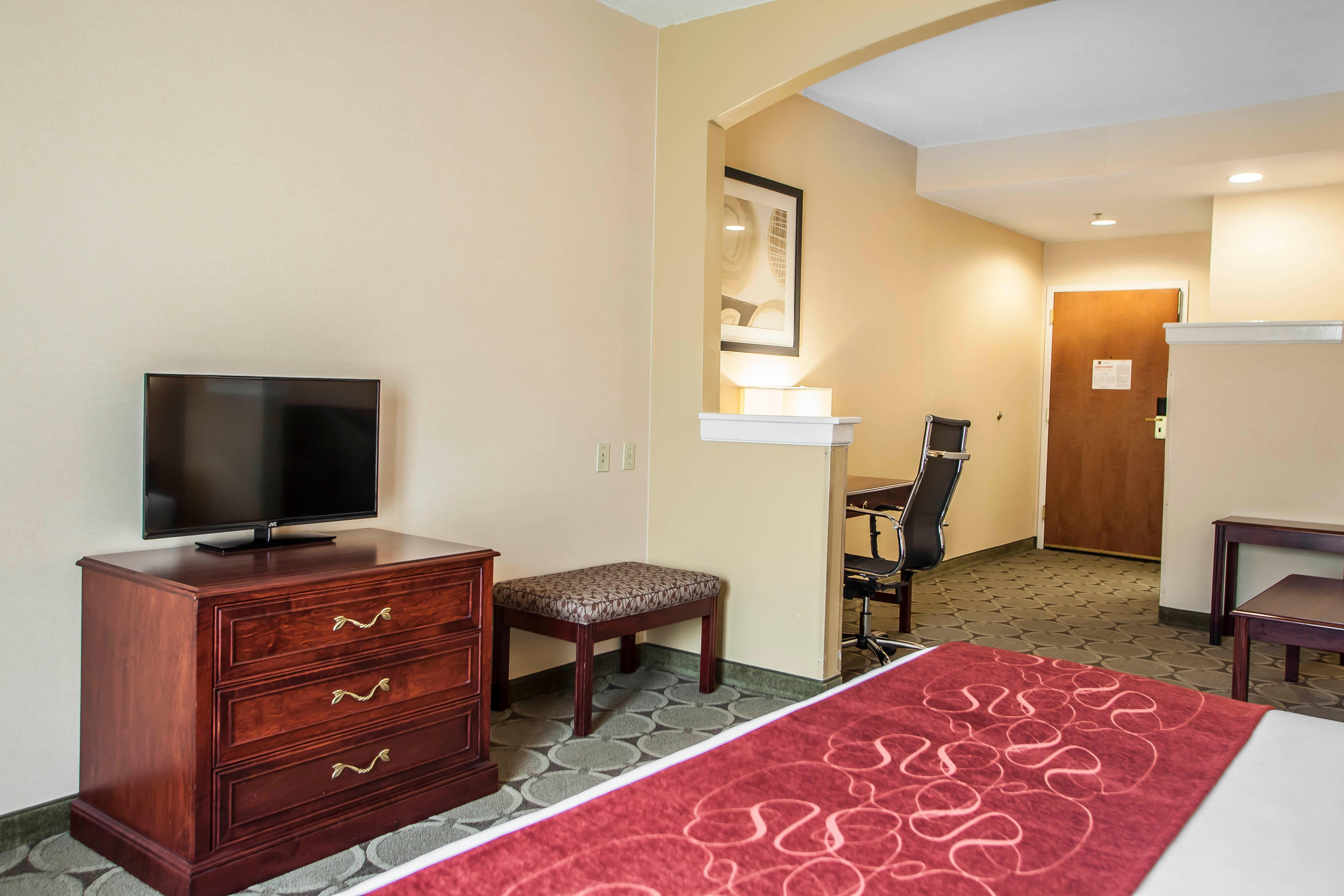 Comfort Suites At 2880 Us Route 1 North North Brunswick