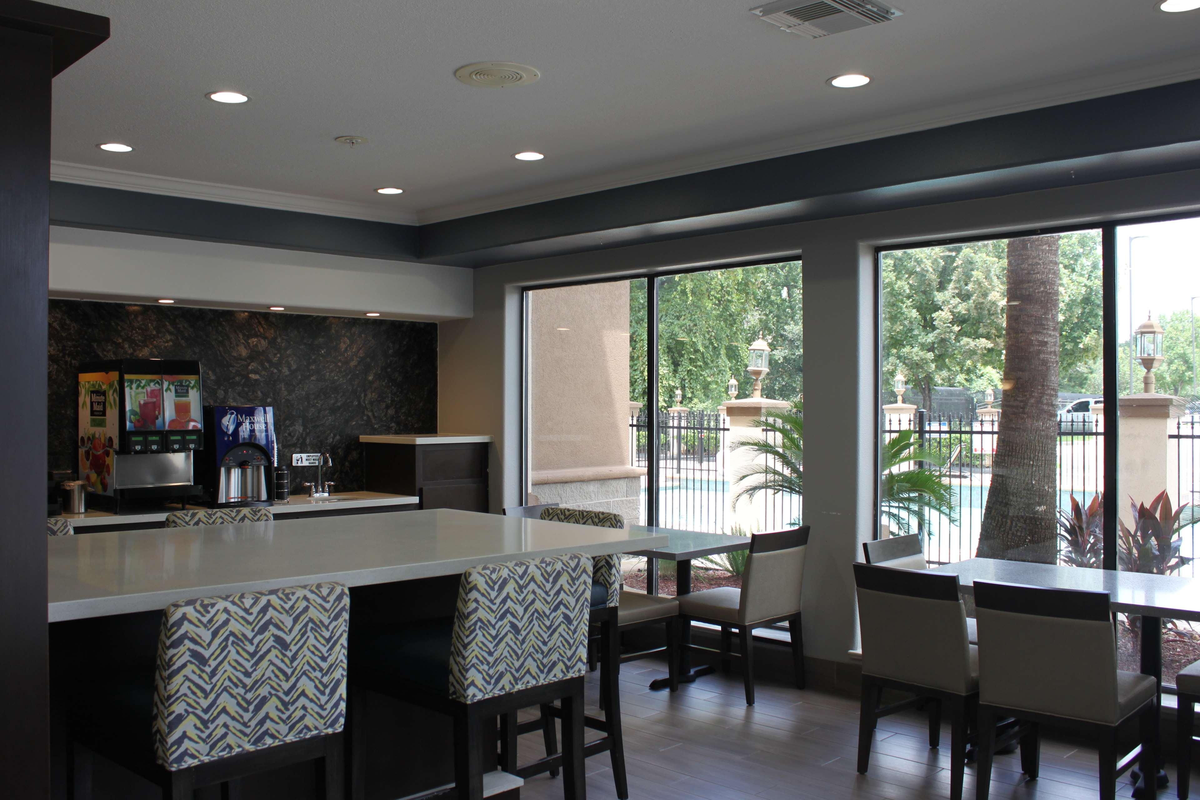 Best Western Plus North Houston Inn & Suites image 7