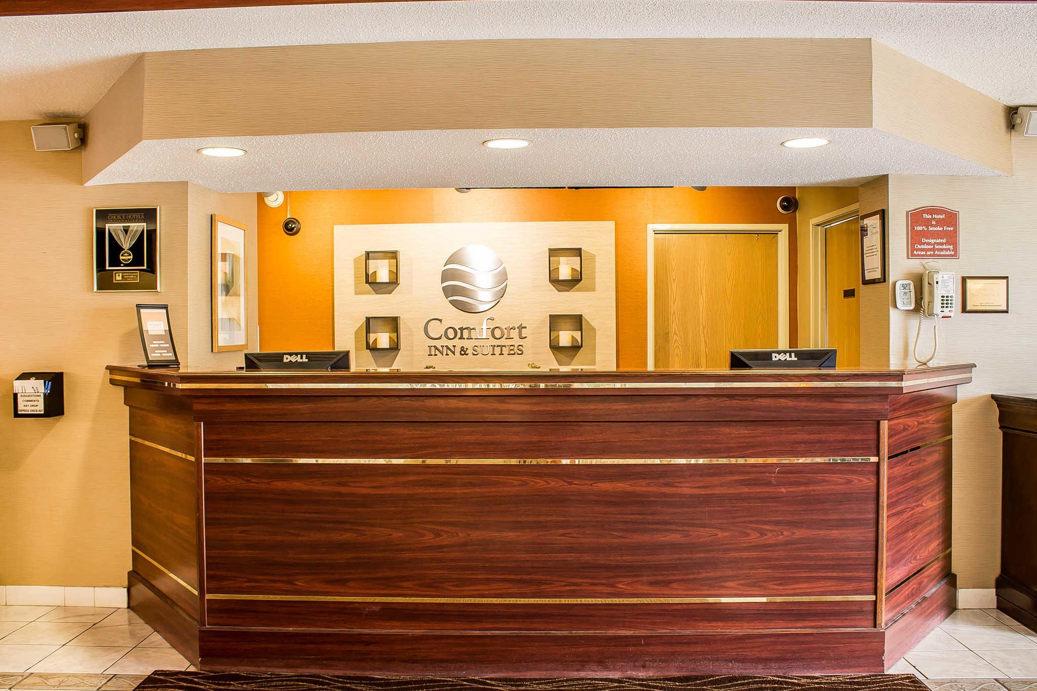 Comfort Inn & Suites image 4
