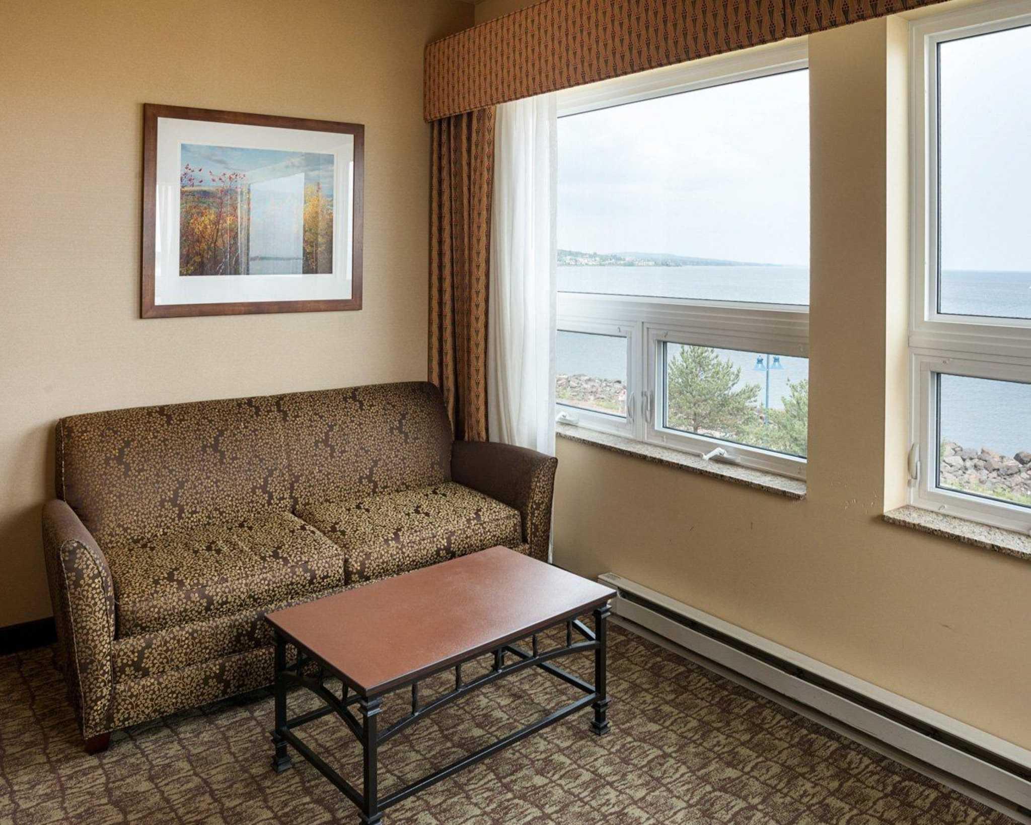 Comfort Suites Canal Park image 34