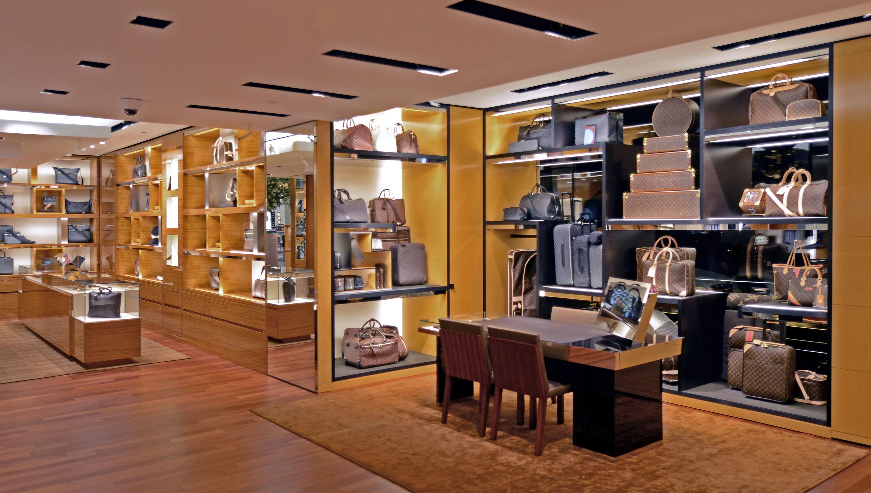 72ff36c7a89cd Louis Vuitton Montreal Ogilvy Ogilvy 1307 Rue Sainte-Catherine Ouest ...