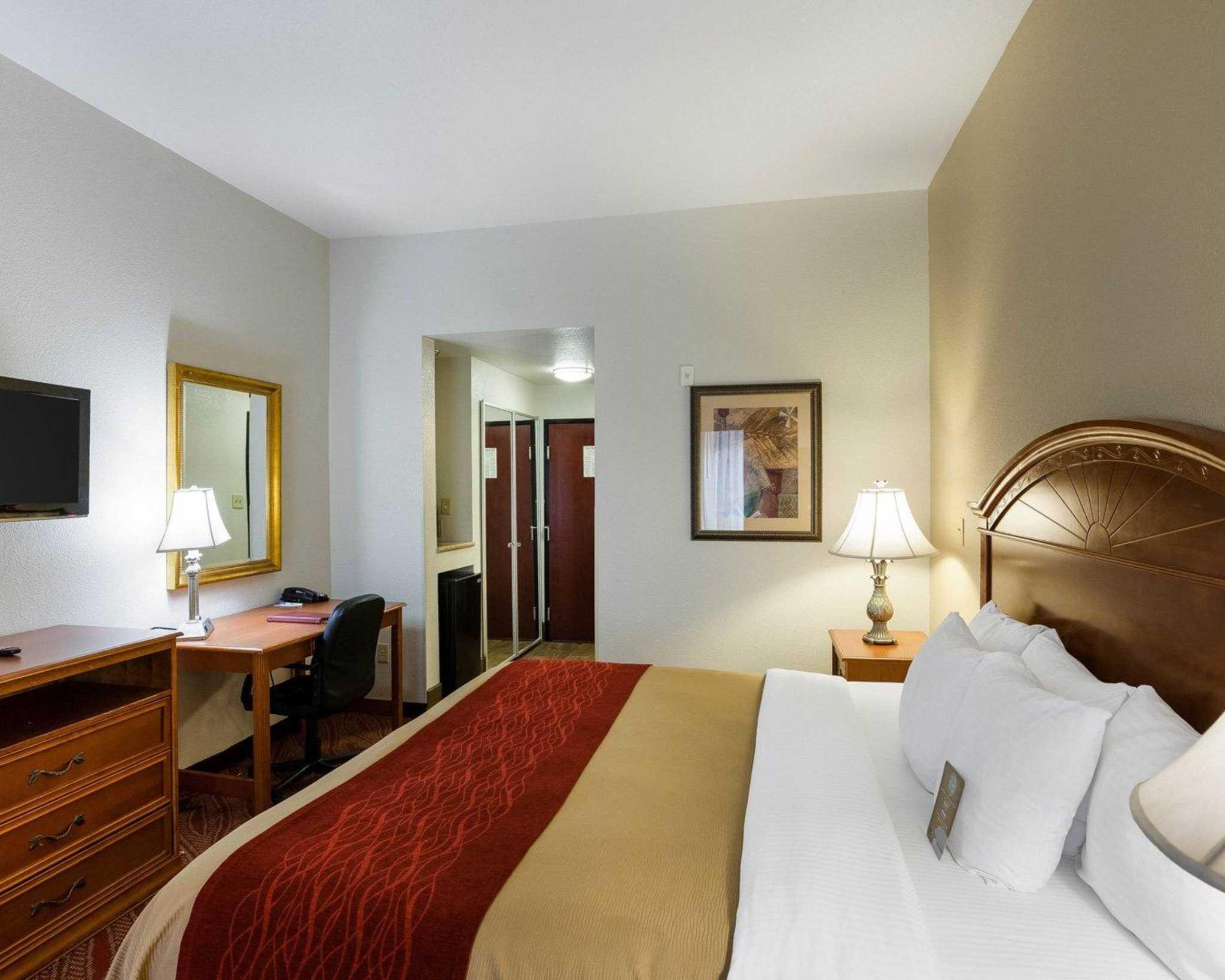 Comfort Inn & Suites Near Medical Center image 22