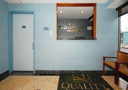 quality inn at 256 15 jericho turnpike floral park ny on
