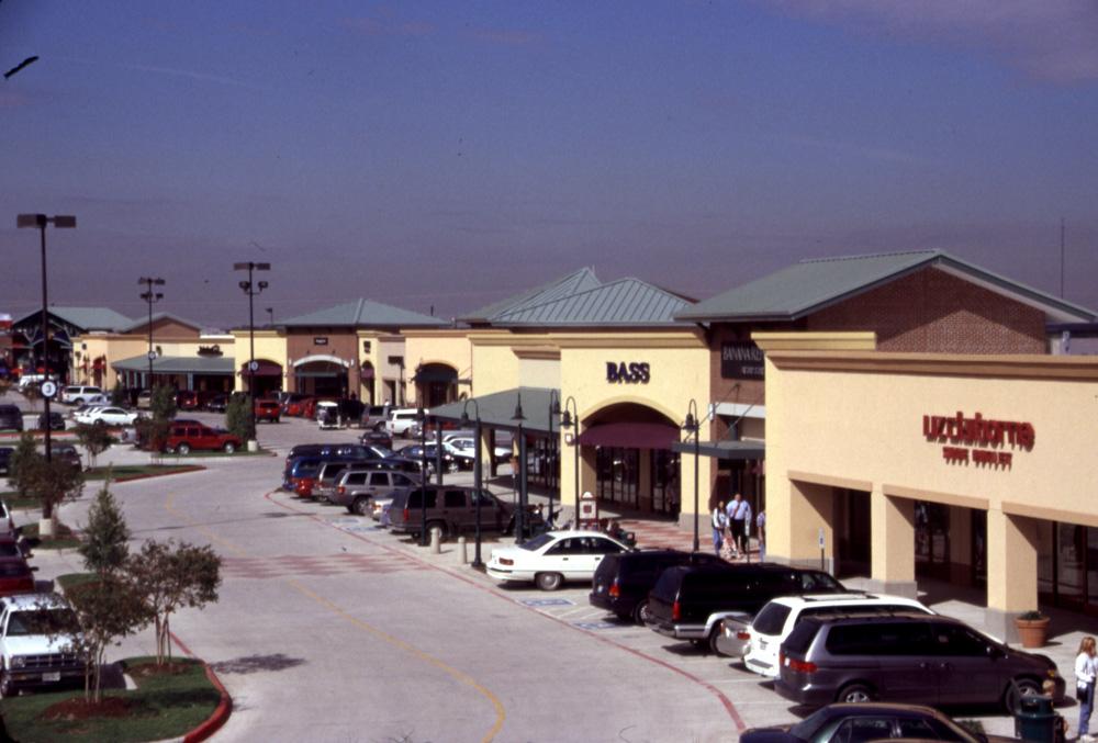 Allen Premium Outlets image 3