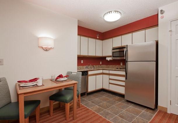 Residence Inn by Marriott Davenport image 8