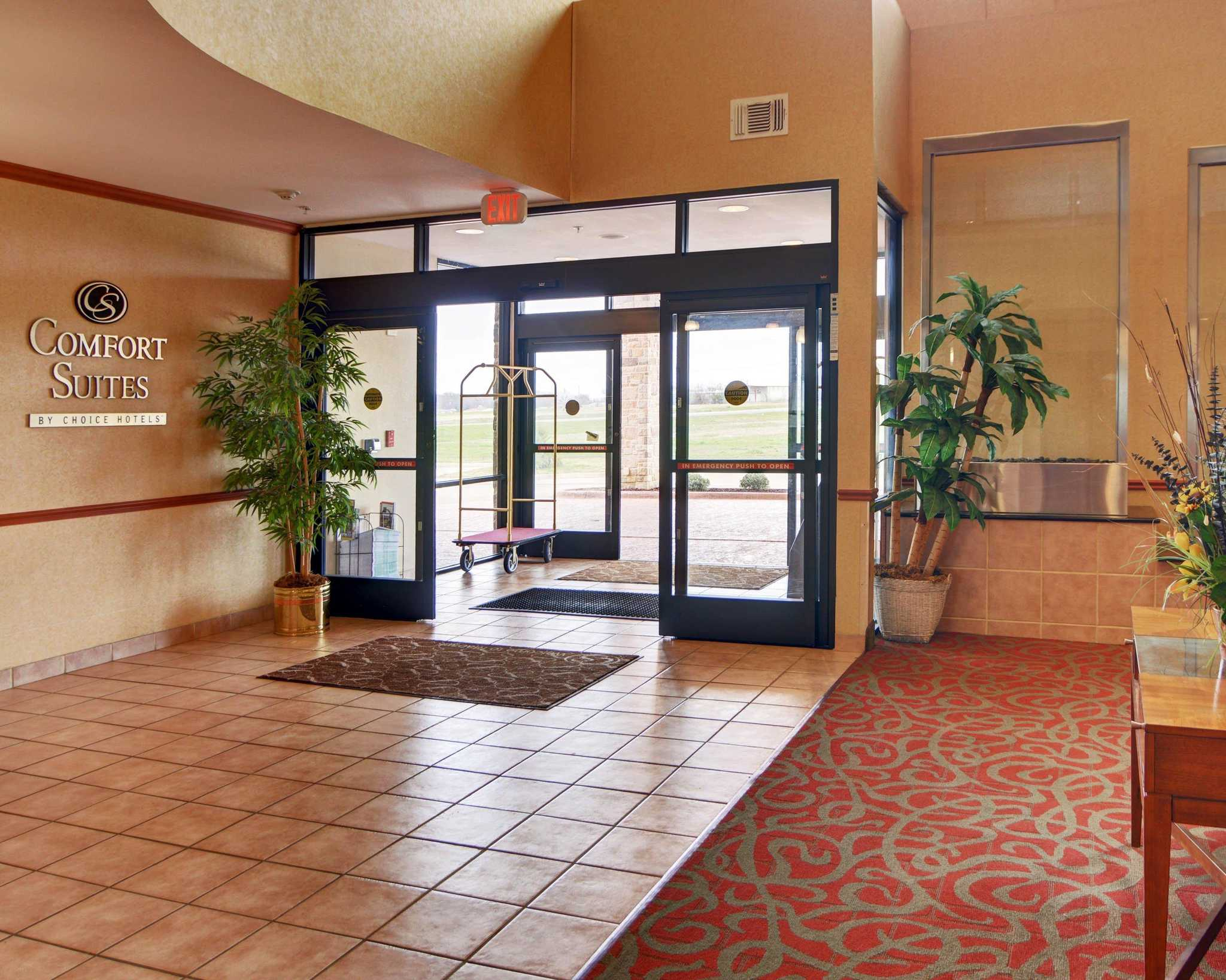 Comfort Suites Near Cedar Creek Lake image 10
