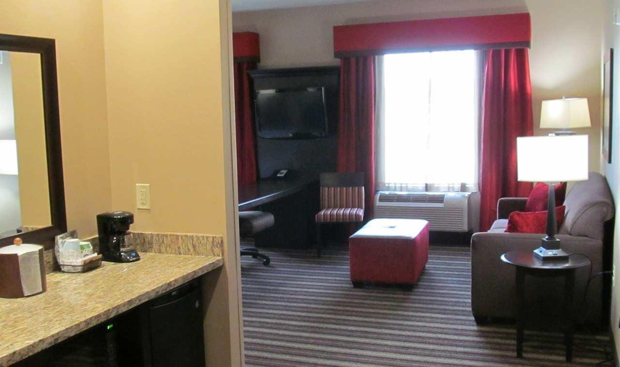 Hampton Inn & Suites Hope image 17