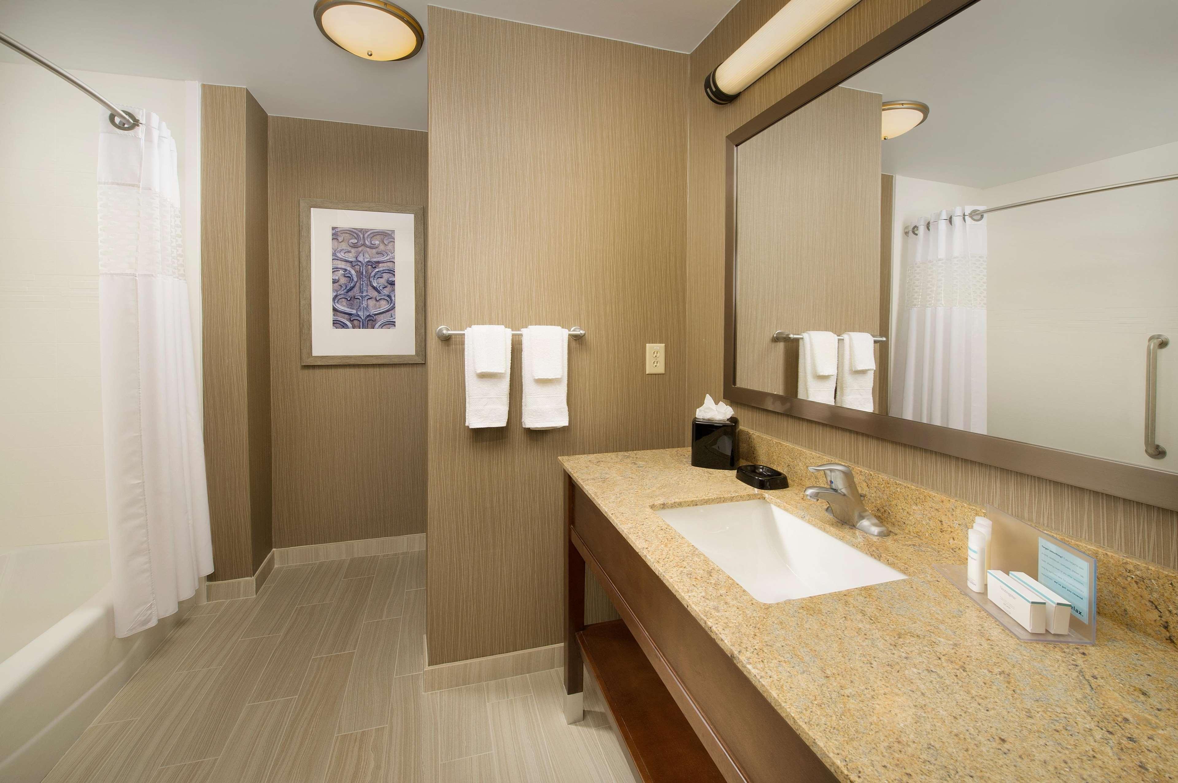 Hampton Inn & Suites San Antonio-Downtown/Market Square image 13