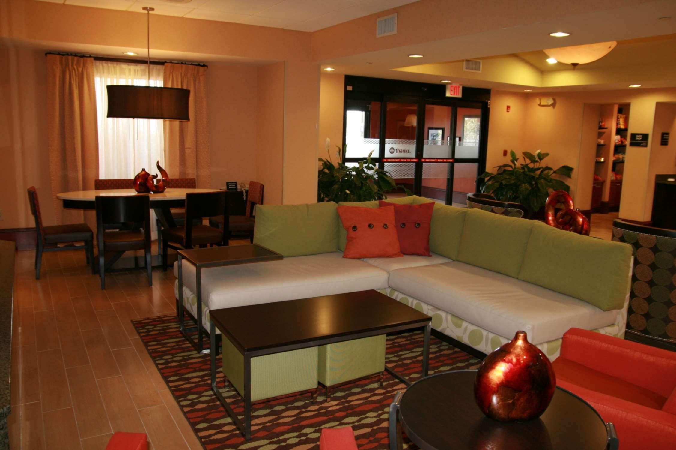 Hampton Inn & Suites Spartanburg-I-26-Westgate Mall image 4