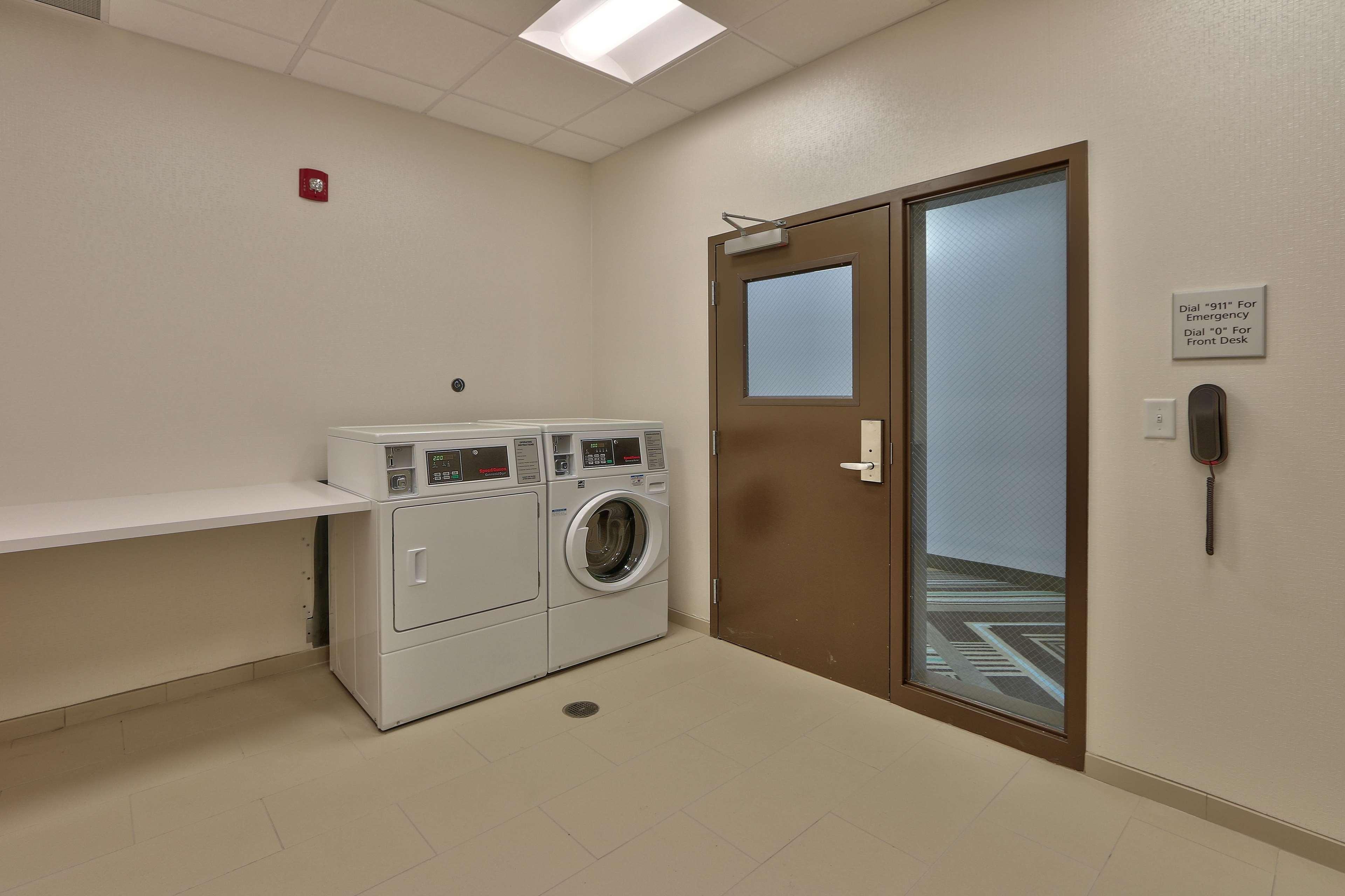 Hampton Inn & Suites Artesia image 22