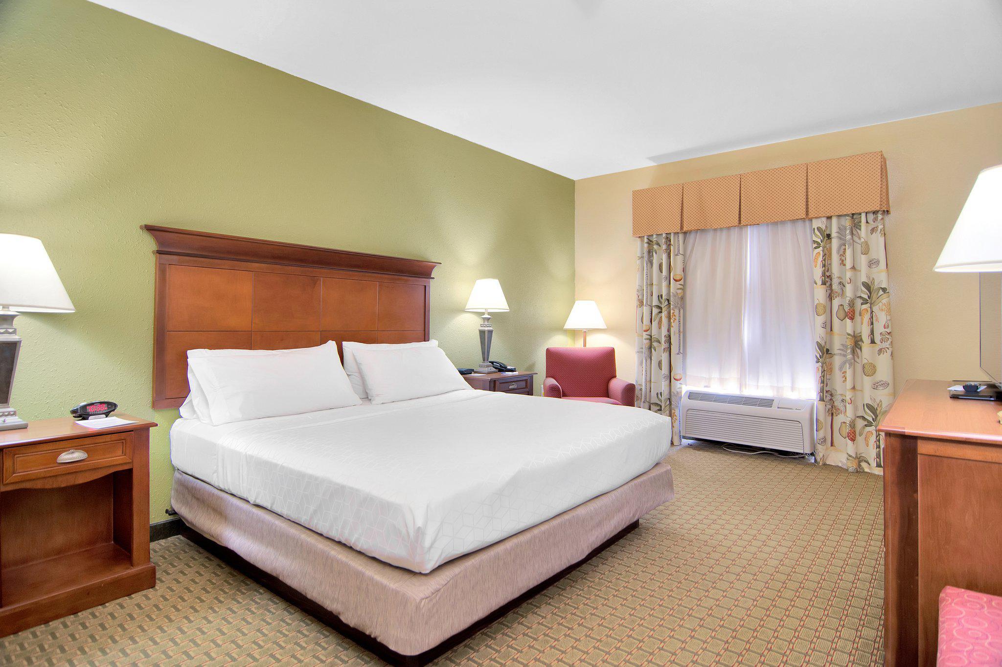 Holiday Inn Express & Suites DFW West - Hurst, an IHG Hotel