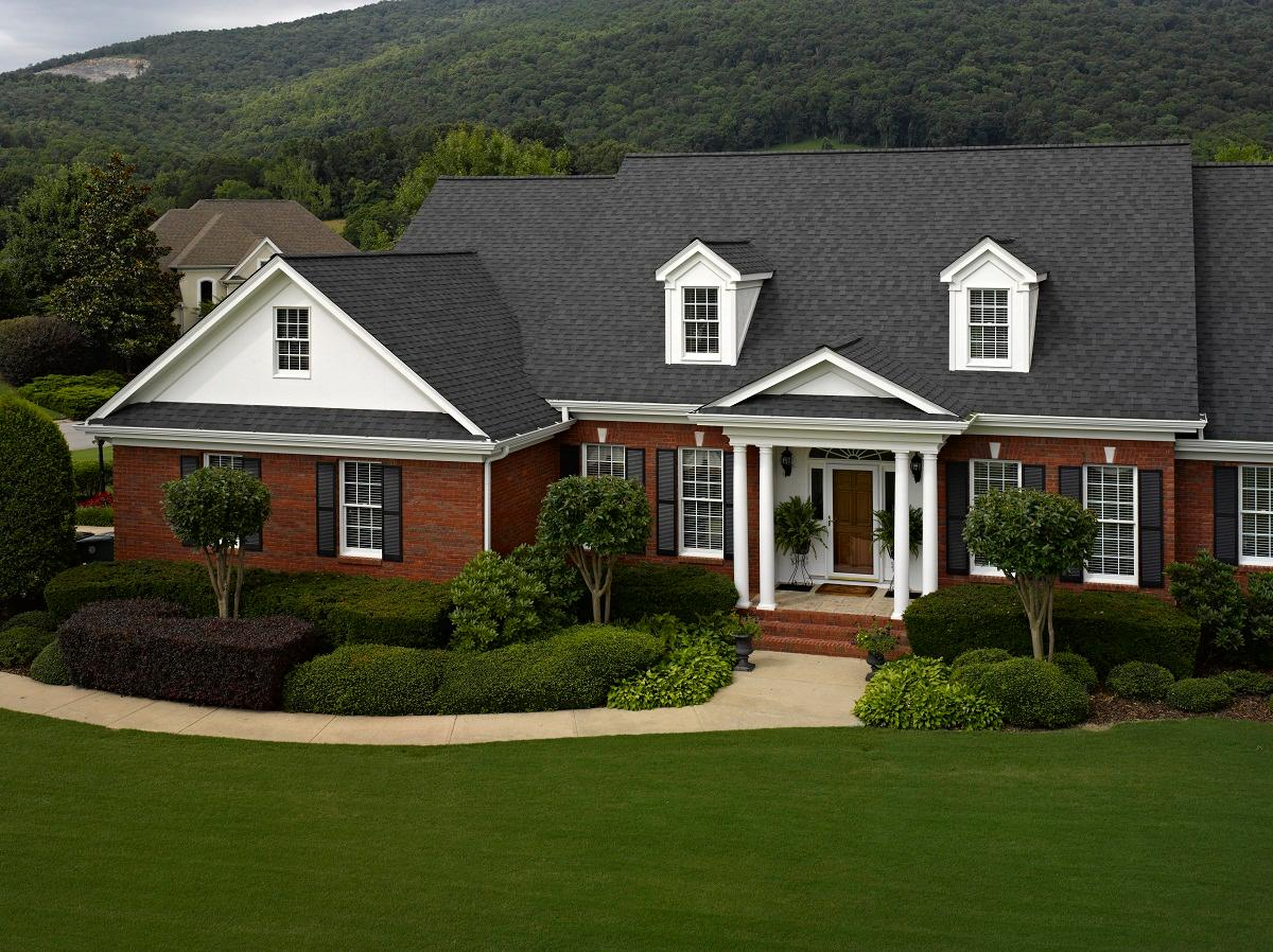 Commonwealth Roofing & Siding image 0