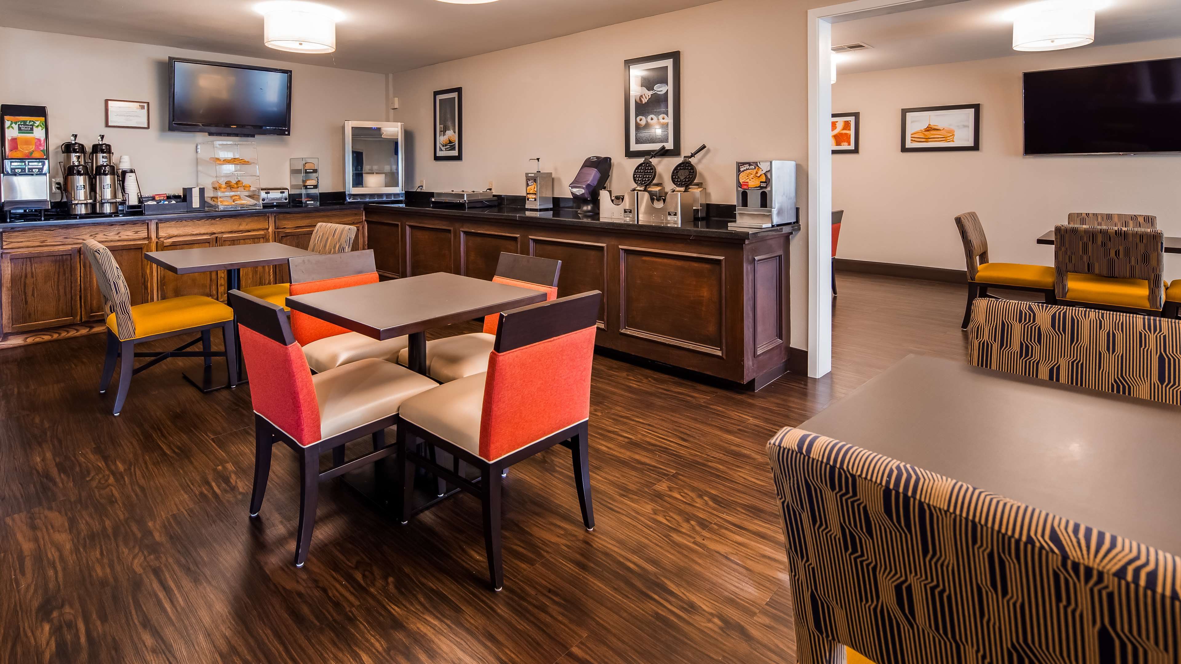 Best Western Inn & Suites image 5