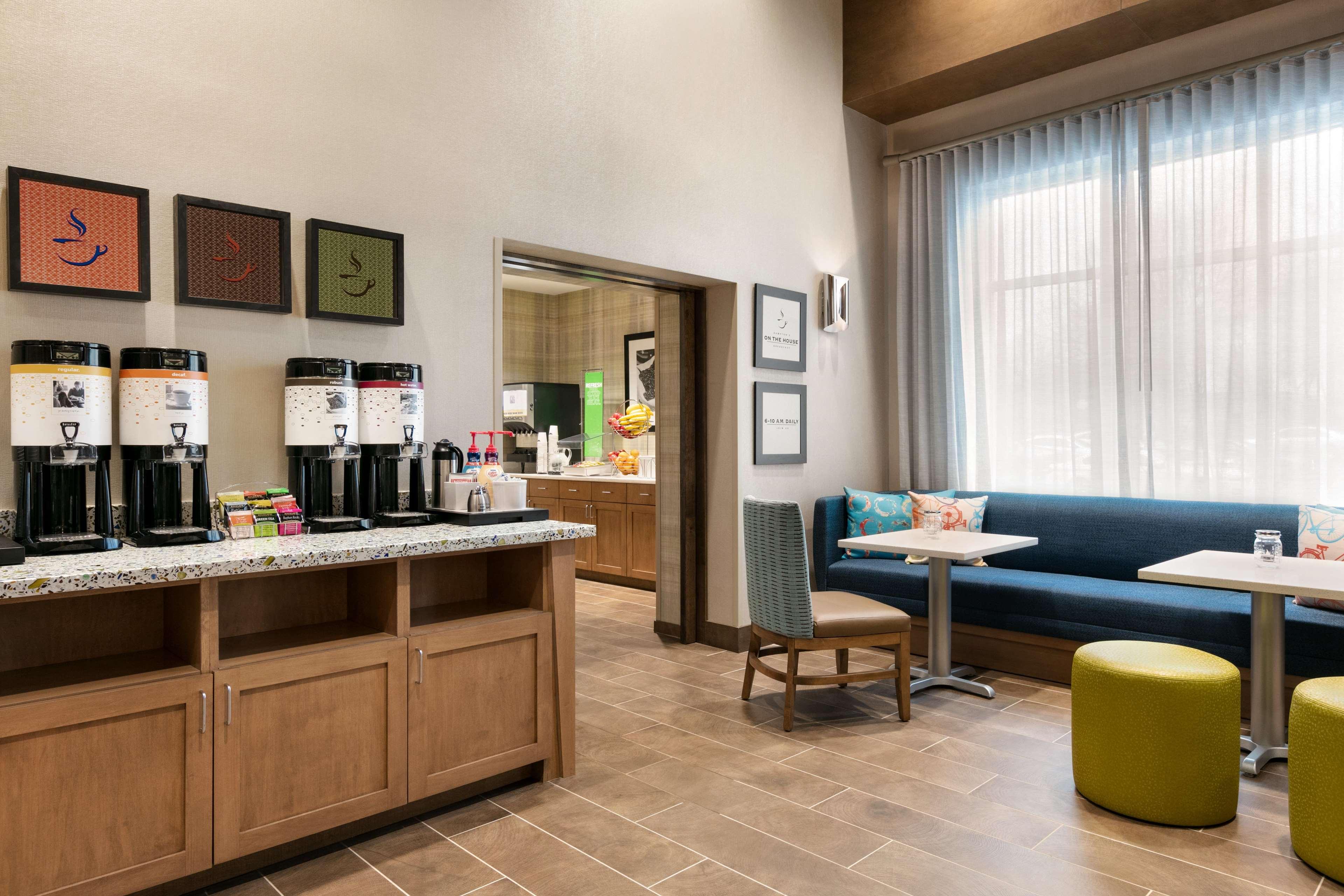 Hampton Inn and Suites Johns Creek image 10
