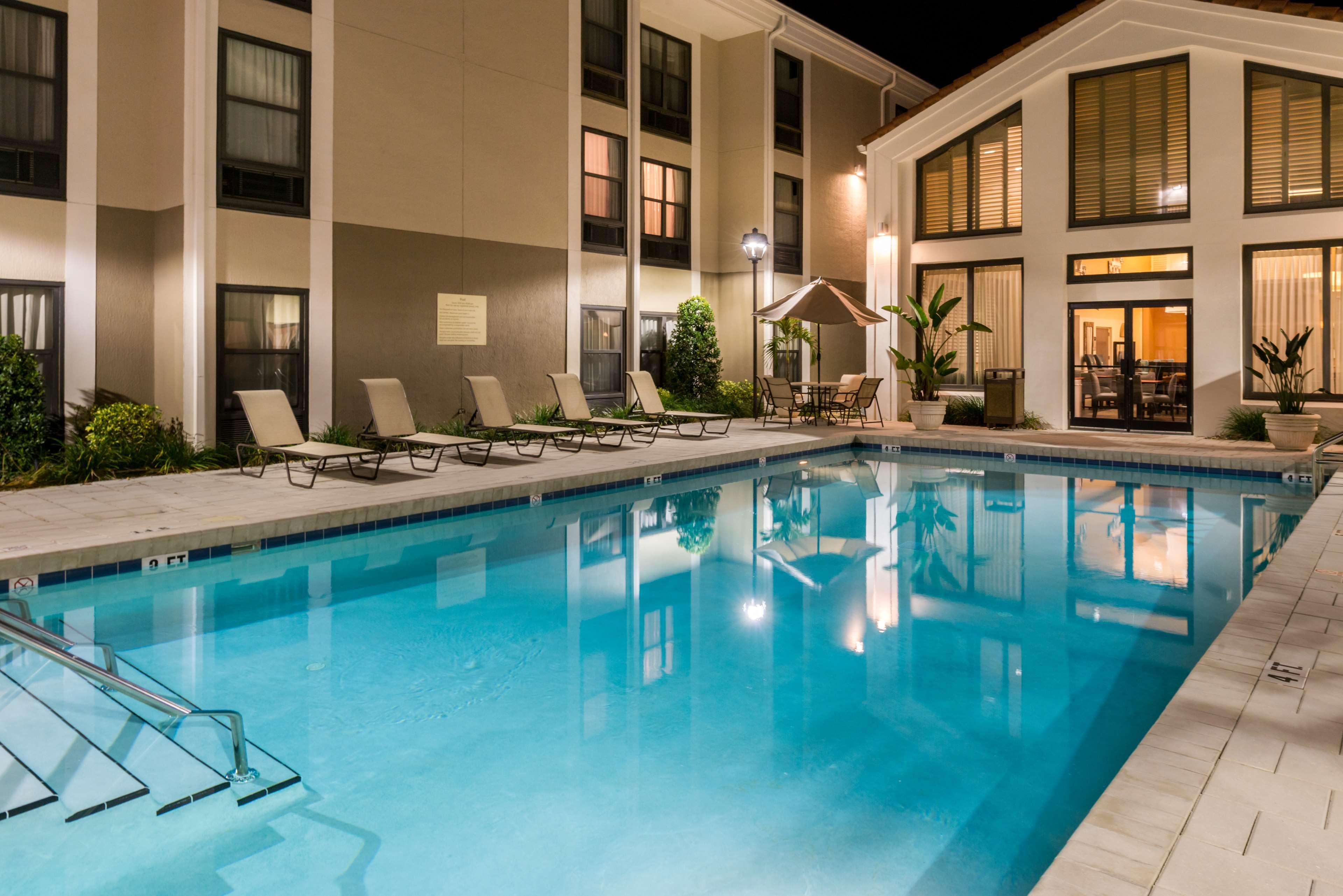 Hampton Inn & Suites Orlando/East UCF Area image 5