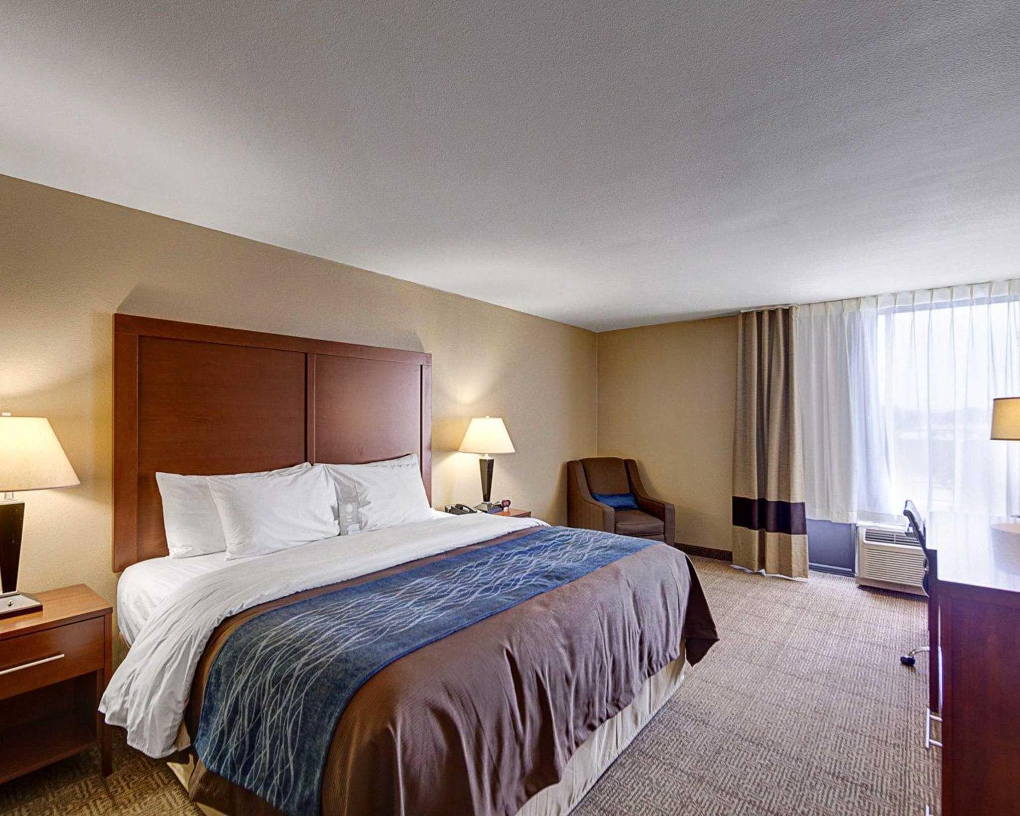 Comfort Inn & Suites Plano East image 4