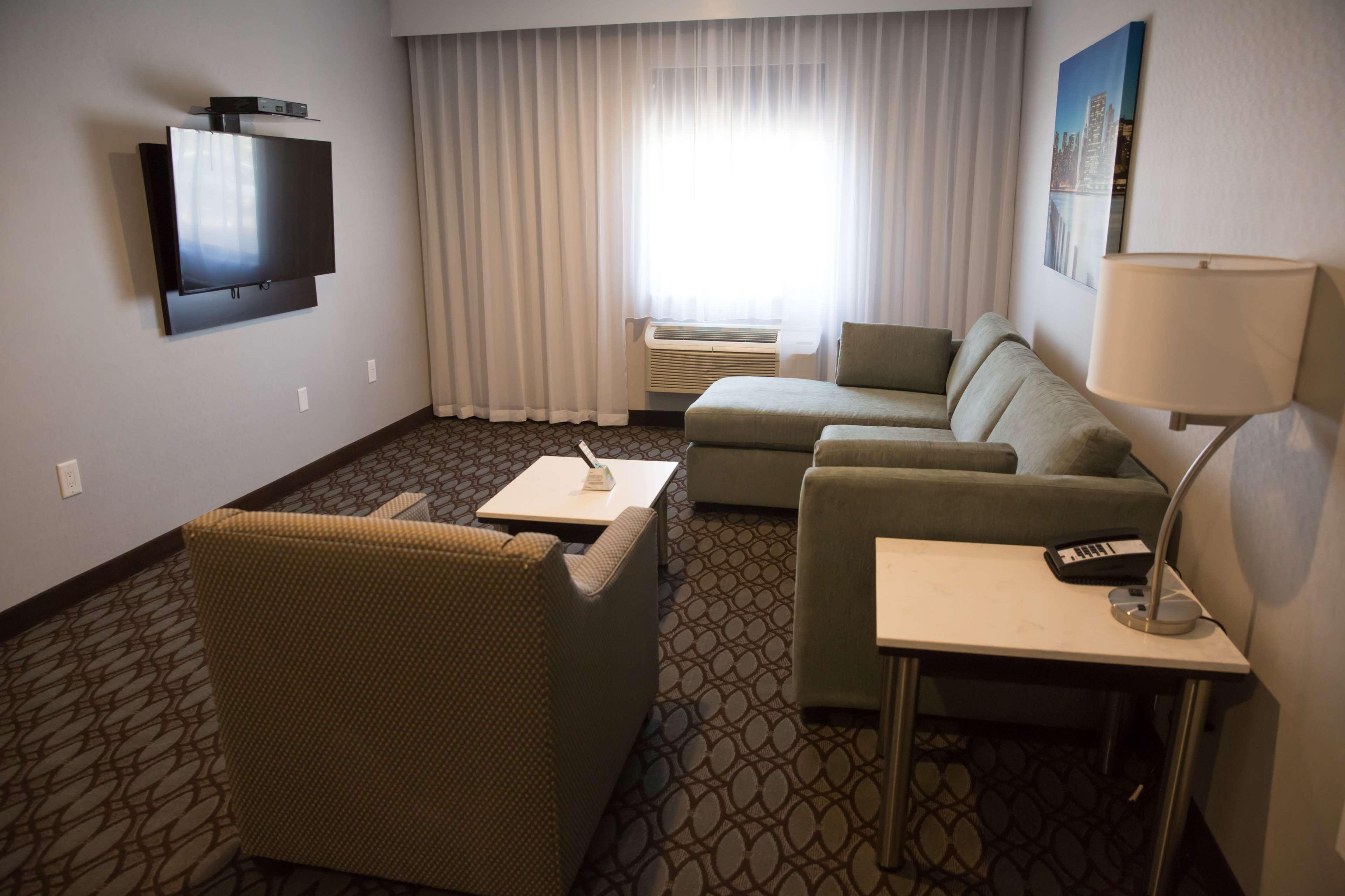 Best Western Premier NYC Gateway Hotel image 20