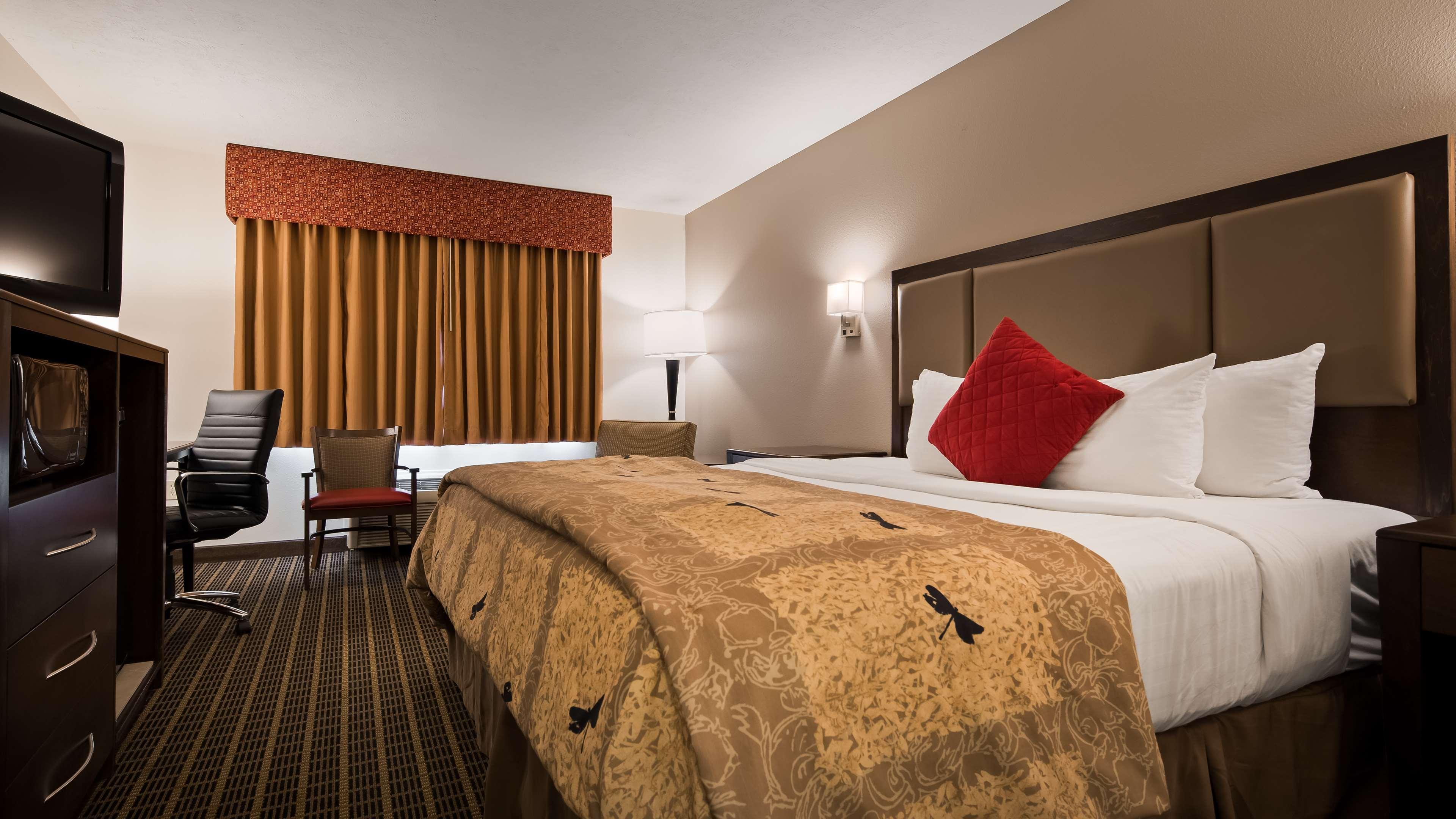 Best Western Plus Eagleridge Inn & Suites image 9