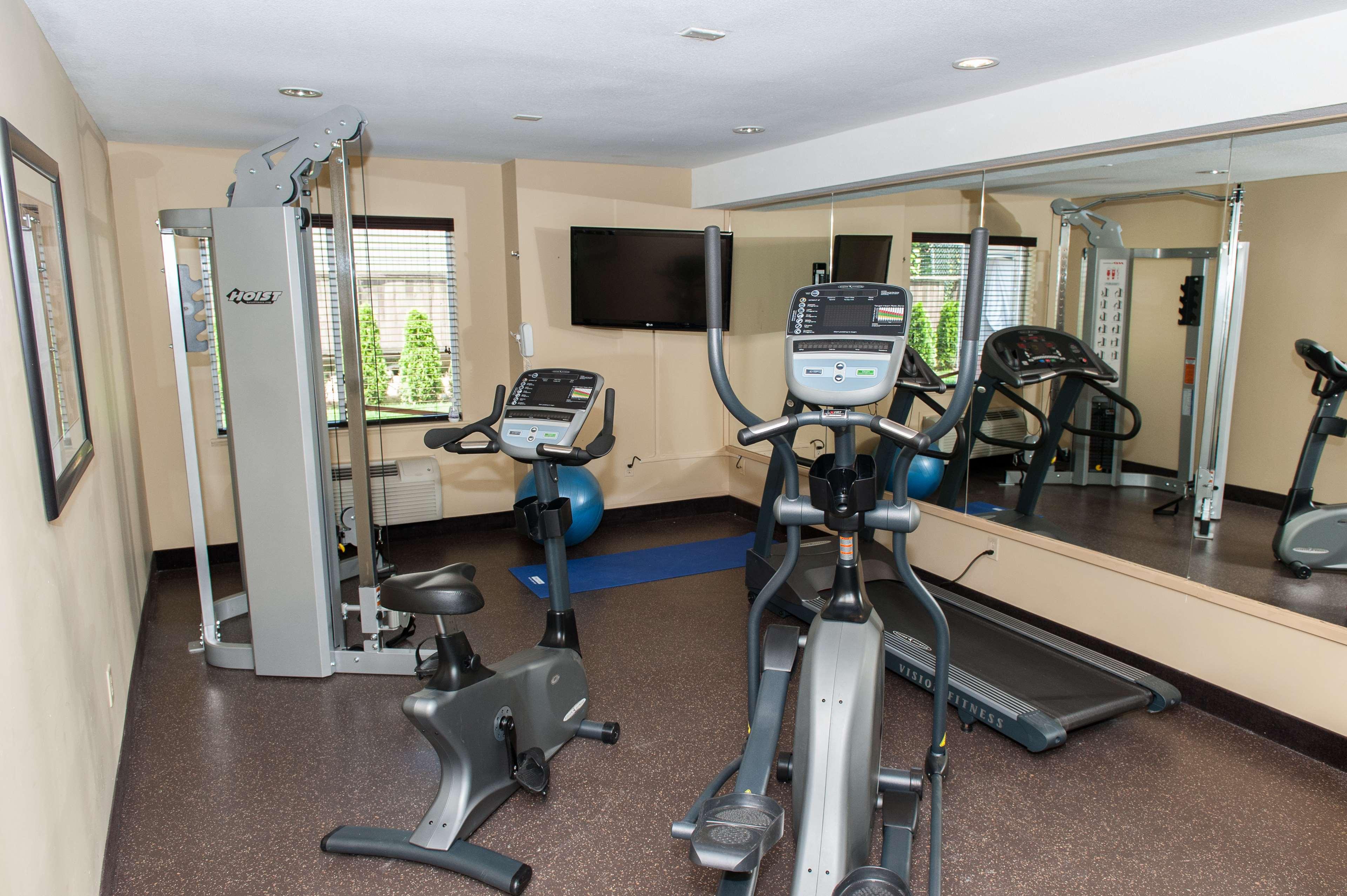 Best Western Maple Ridge Hotel in Maple Ridge: Fitness Room