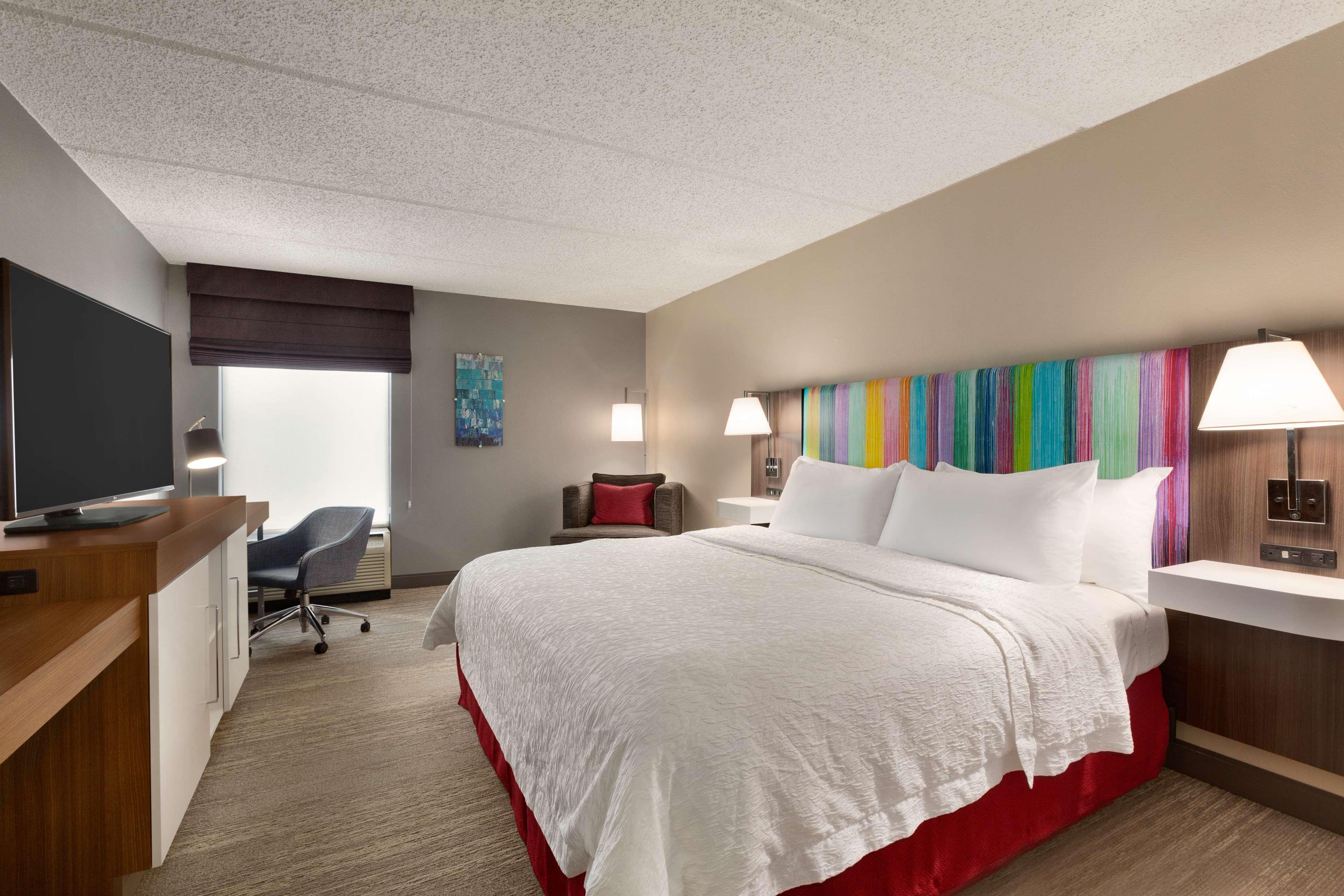 Hampton Inn Houston-Brookhollow image 15