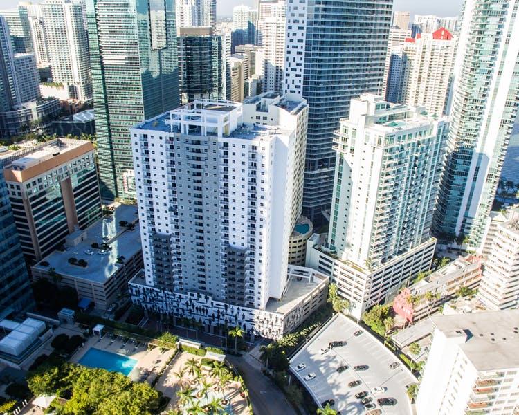 Fortune house hotel in miami fl 305 349 5 for 185 se 14th terrace miami fl 33131