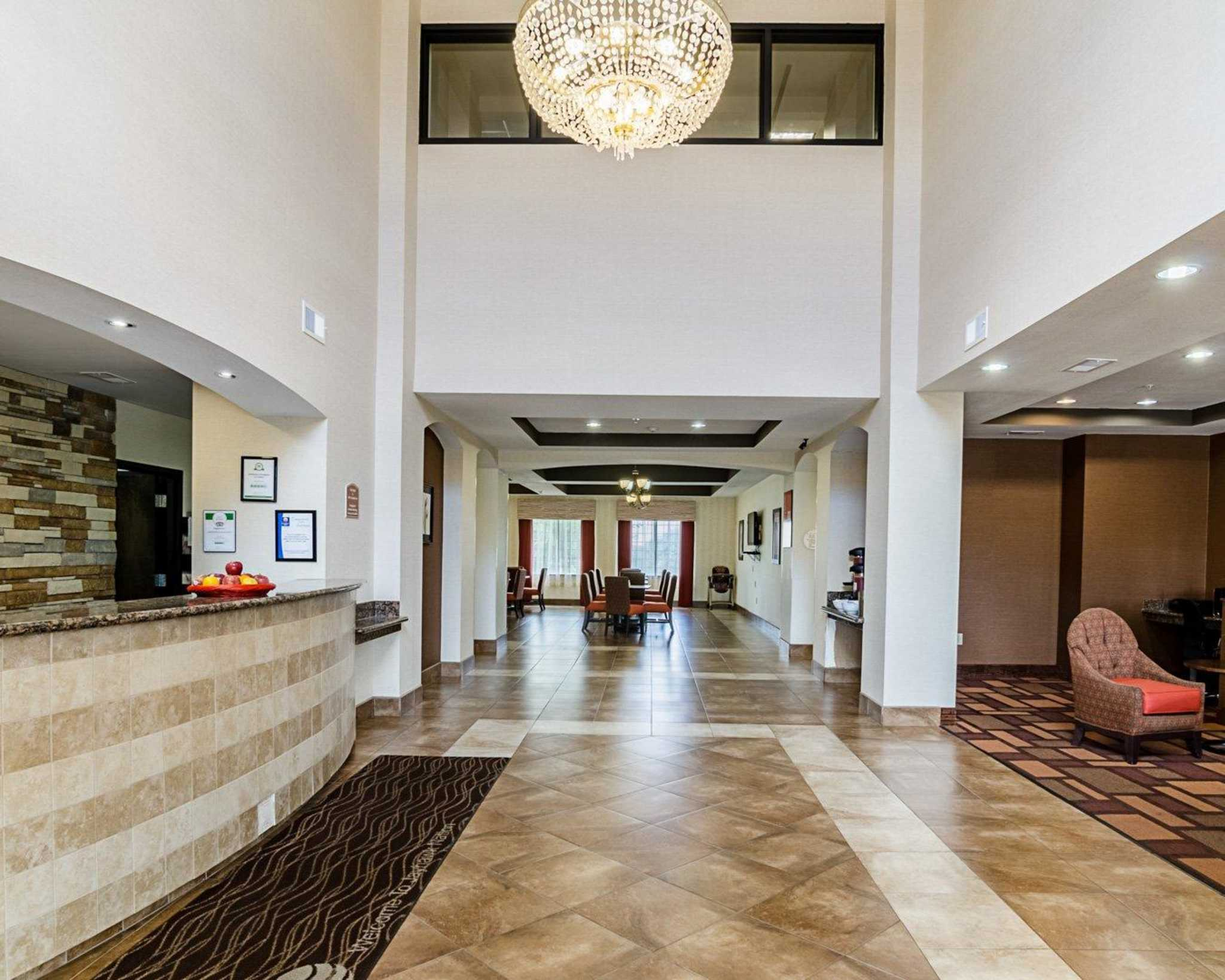 Comfort Inn & Suites Lawrence - University Area image 14