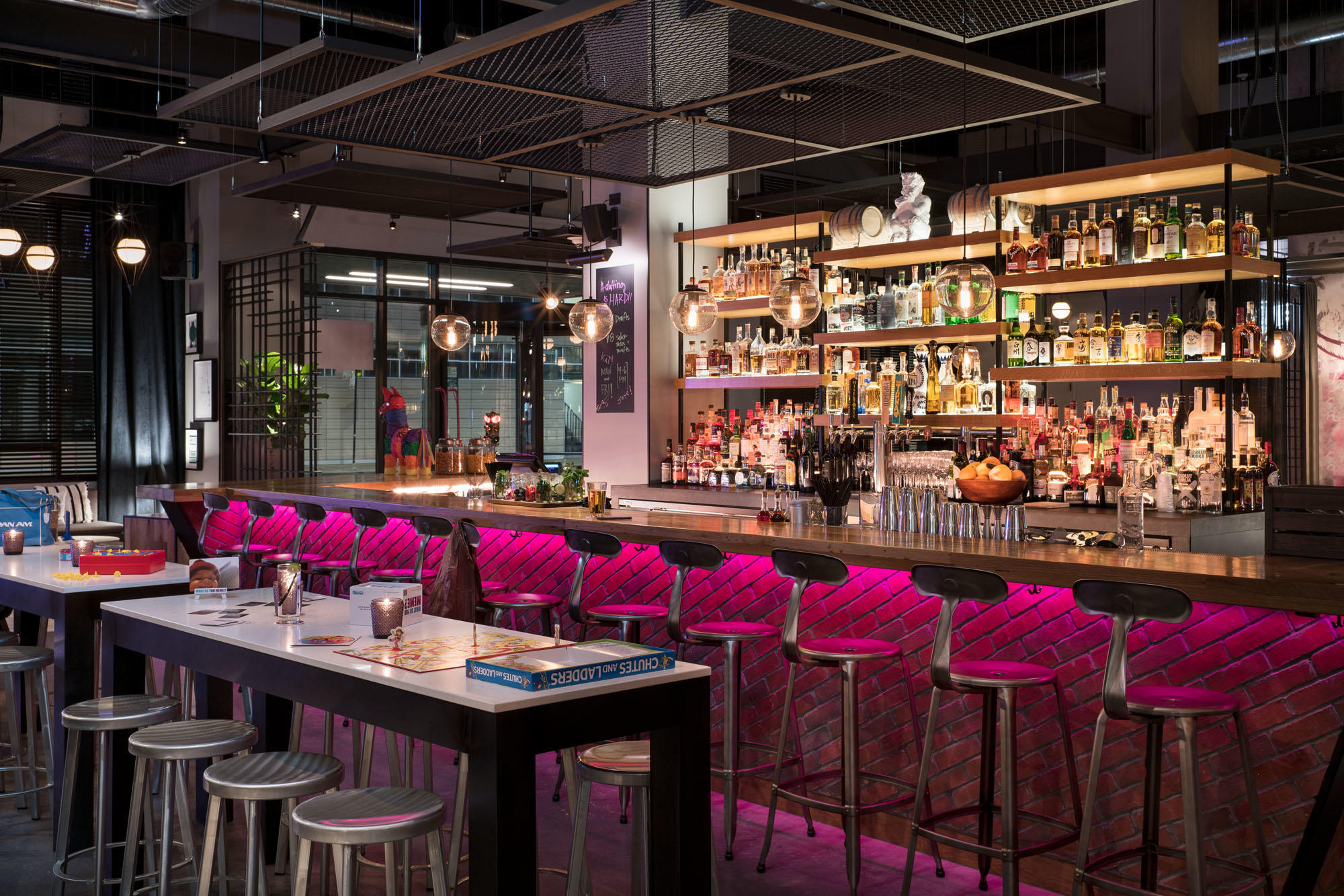 MOXY Chicago Downtown image 16