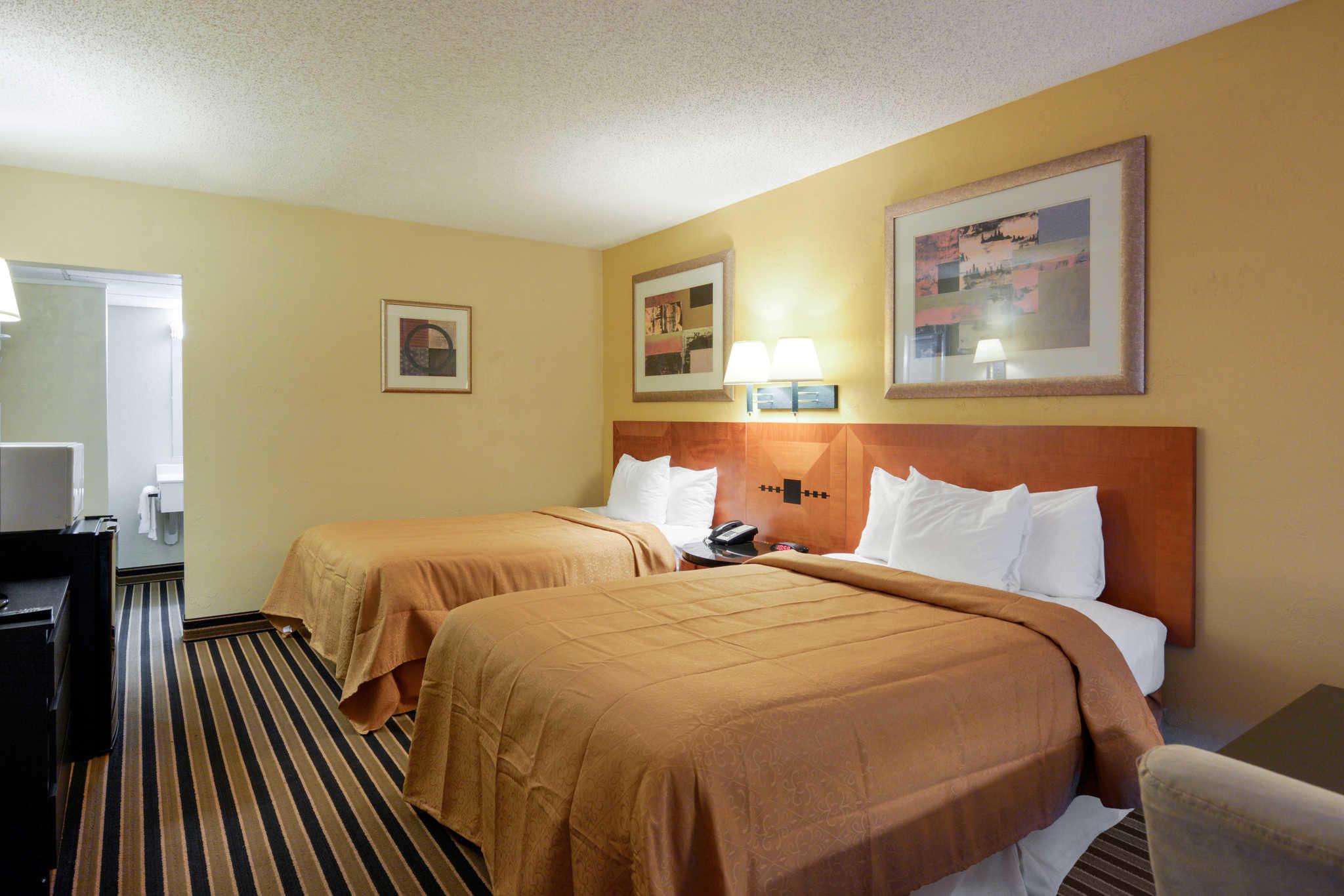 Quality Inn Skyline Drive image 18