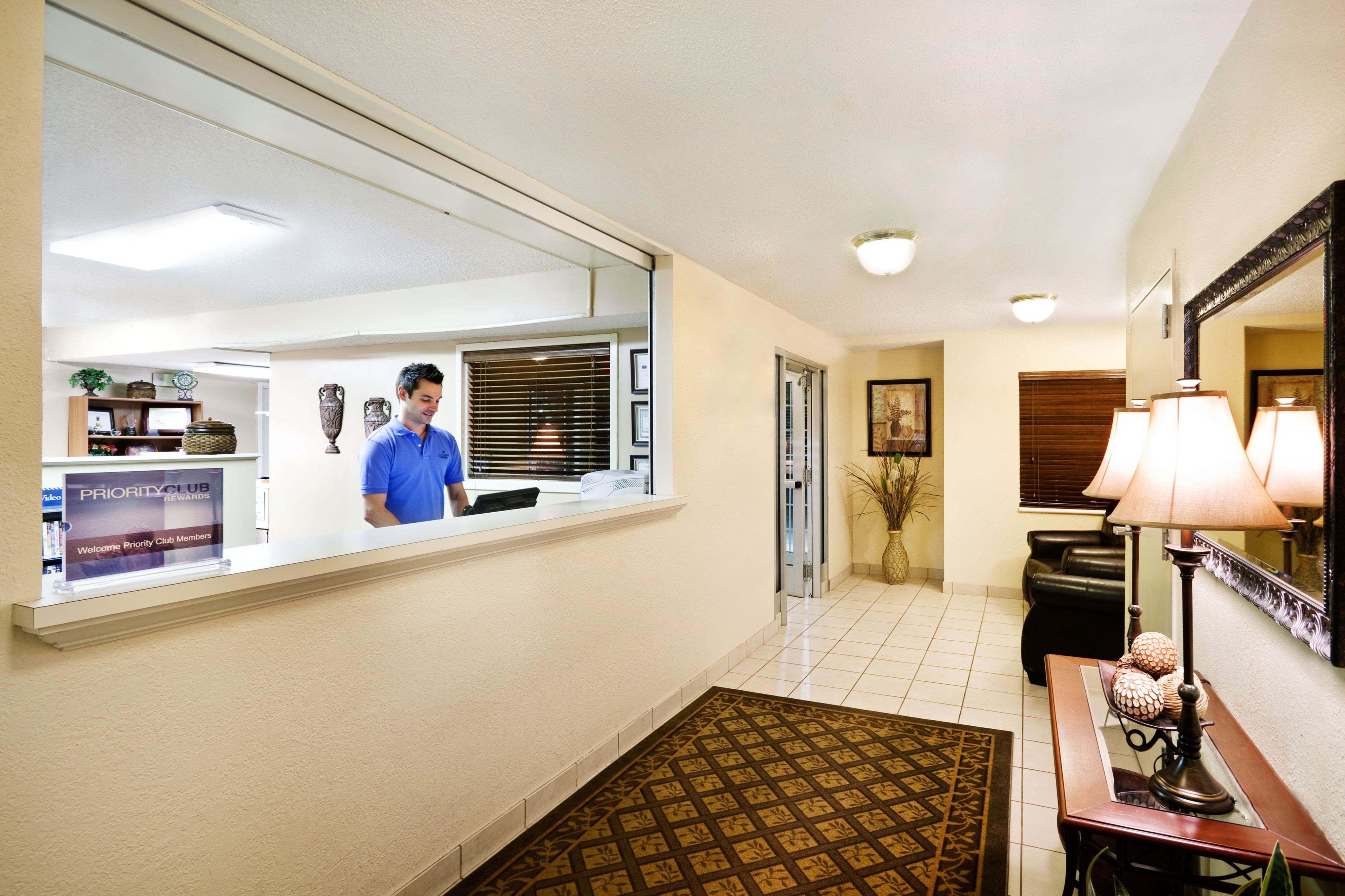 Candlewood Suites Knoxville image 5