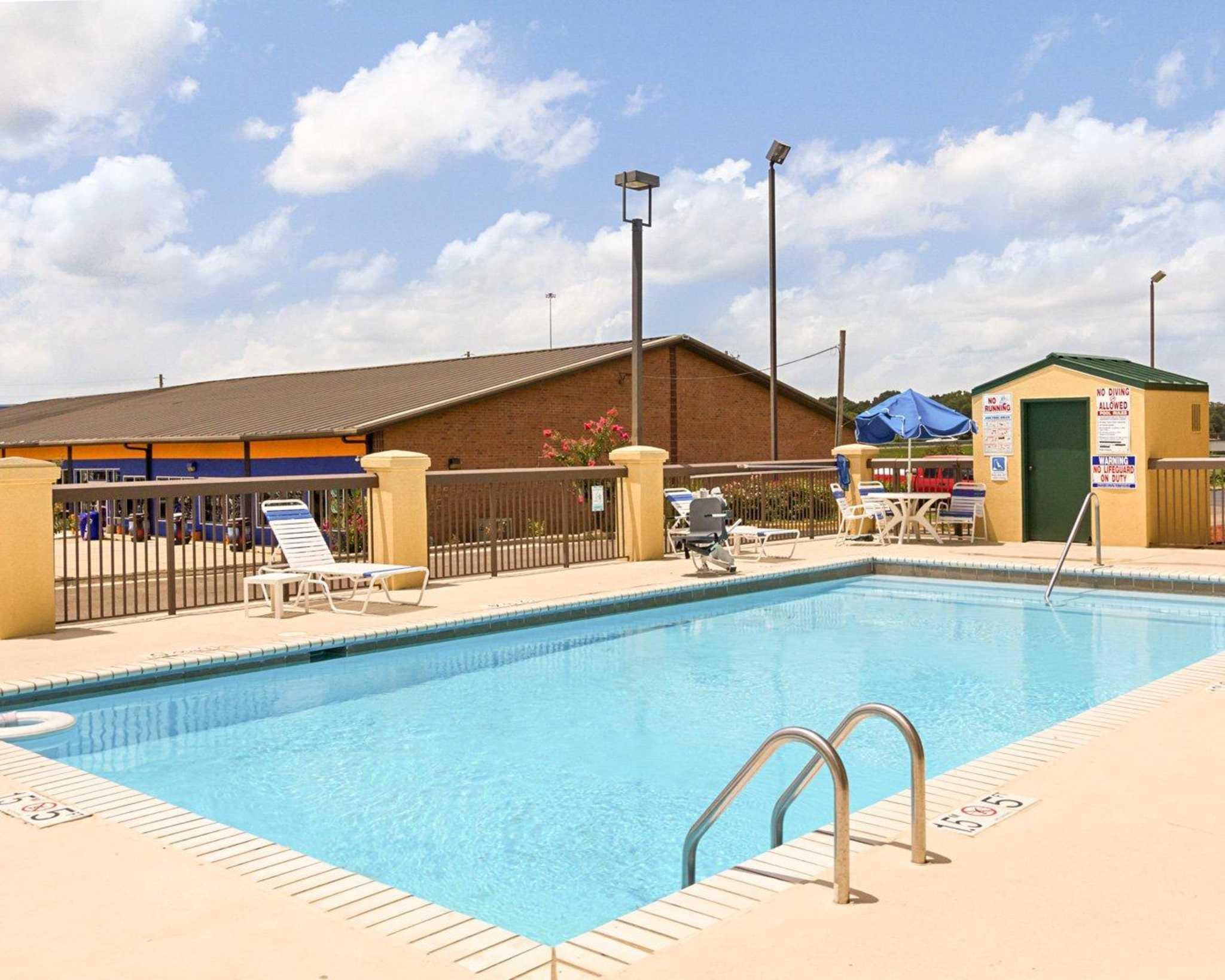 Quality Inn & Suites Southwest image 18