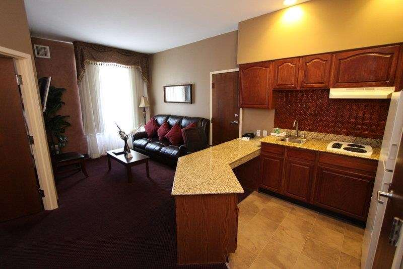 Best Western Plus Hannaford Inn & Suites image 26