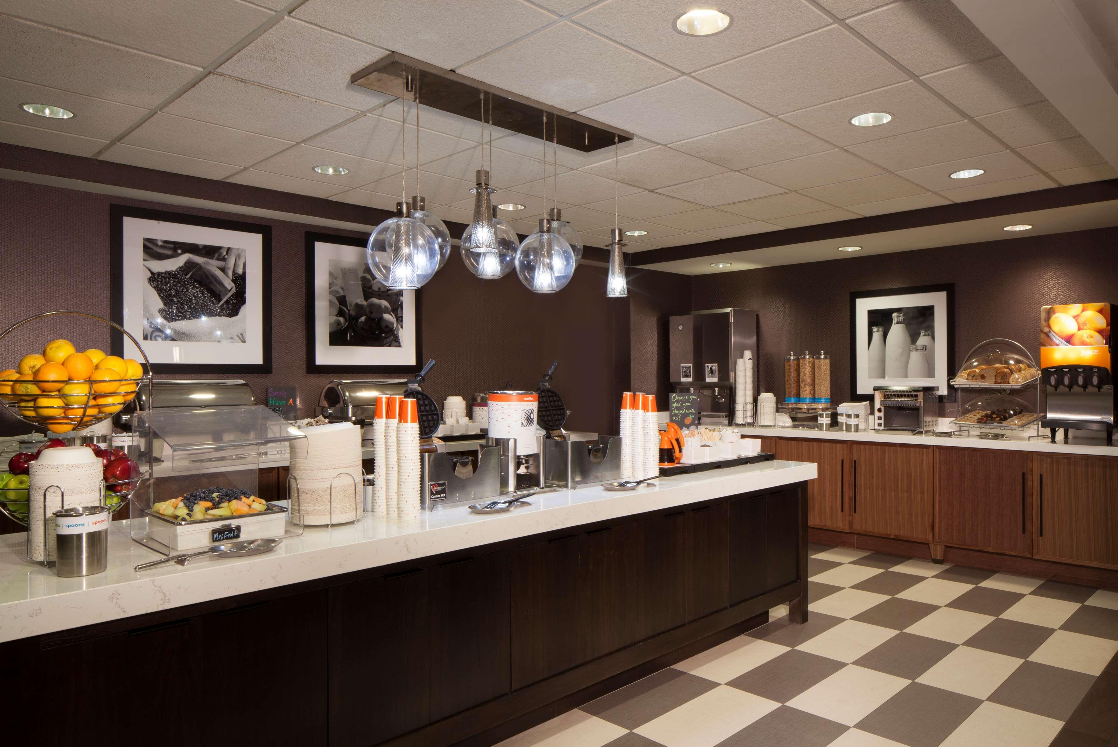 Hampton Inn & Suites Columbus-Easton Area image 14