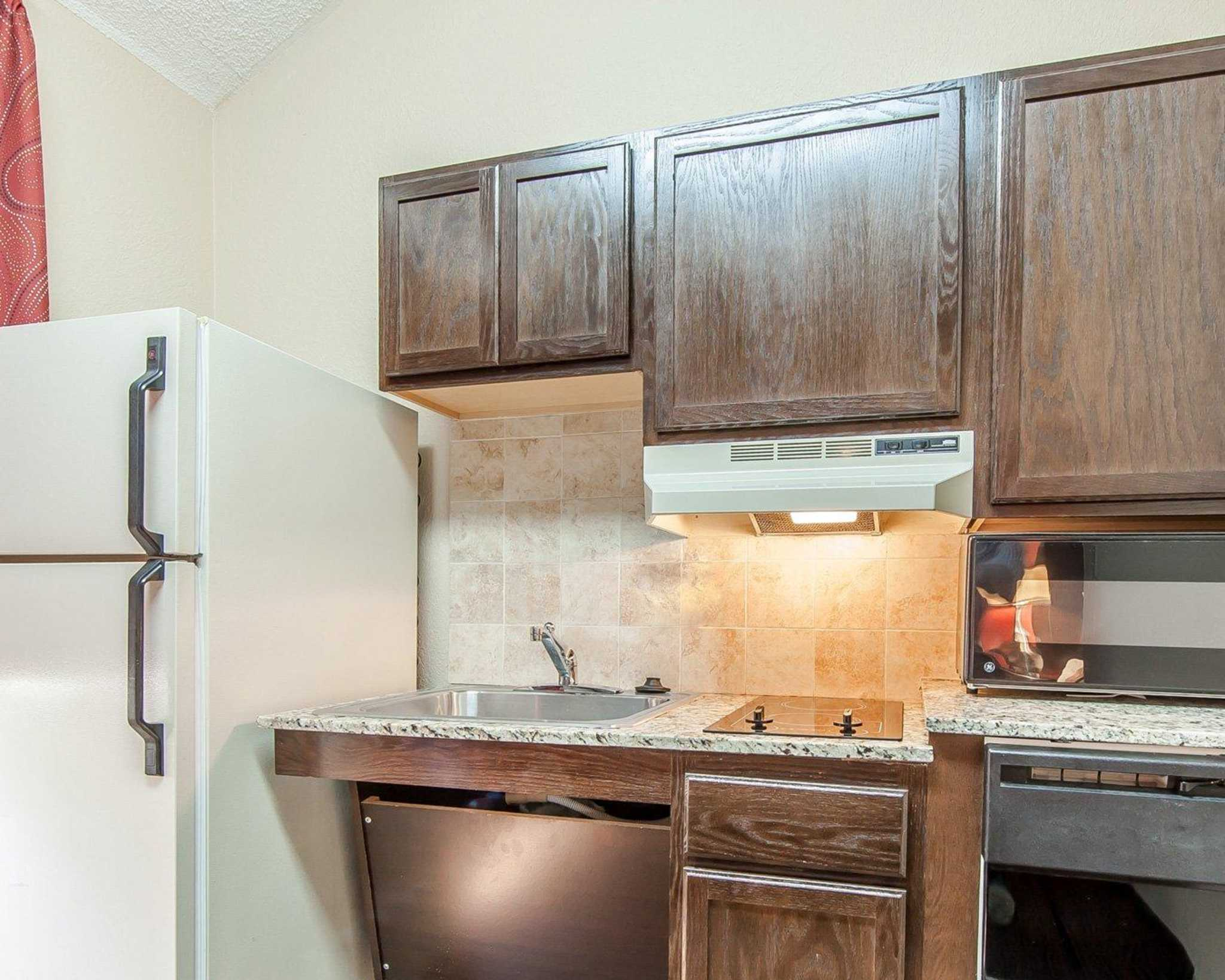 MainStay Suites Knoxville Airport image 30