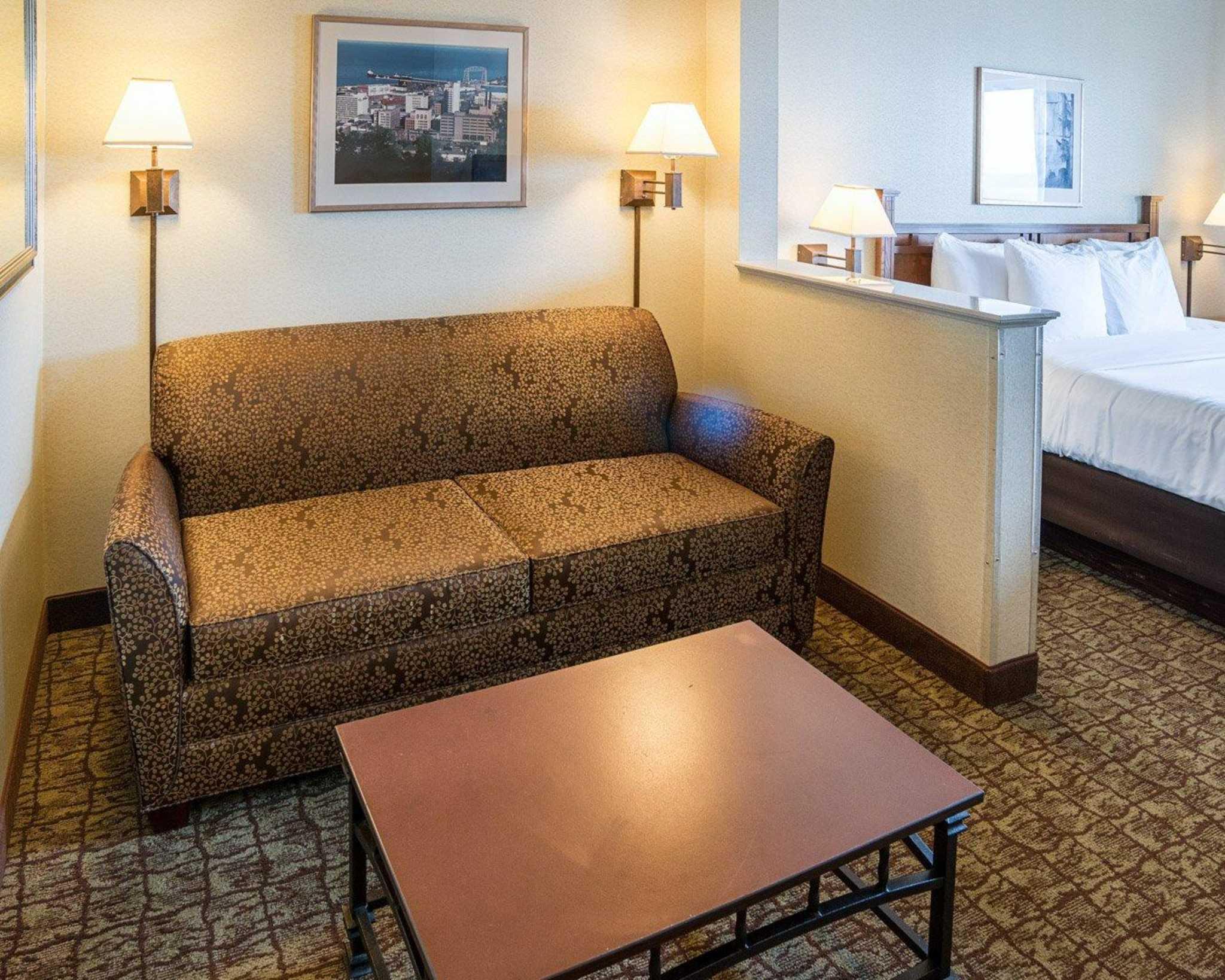 Comfort Suites Canal Park image 10