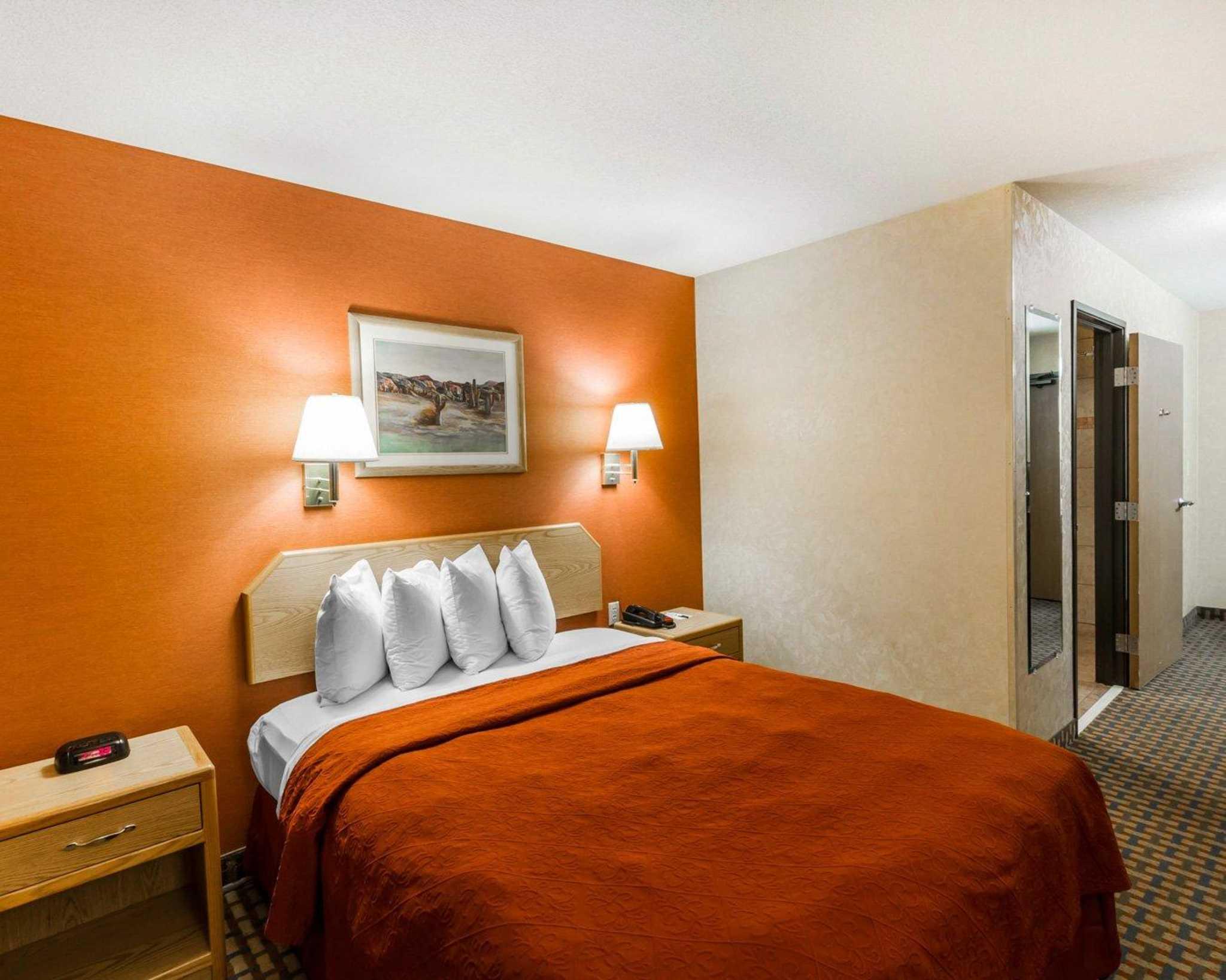 Quality Inn & Suites Surprise Near Sun City West image 8