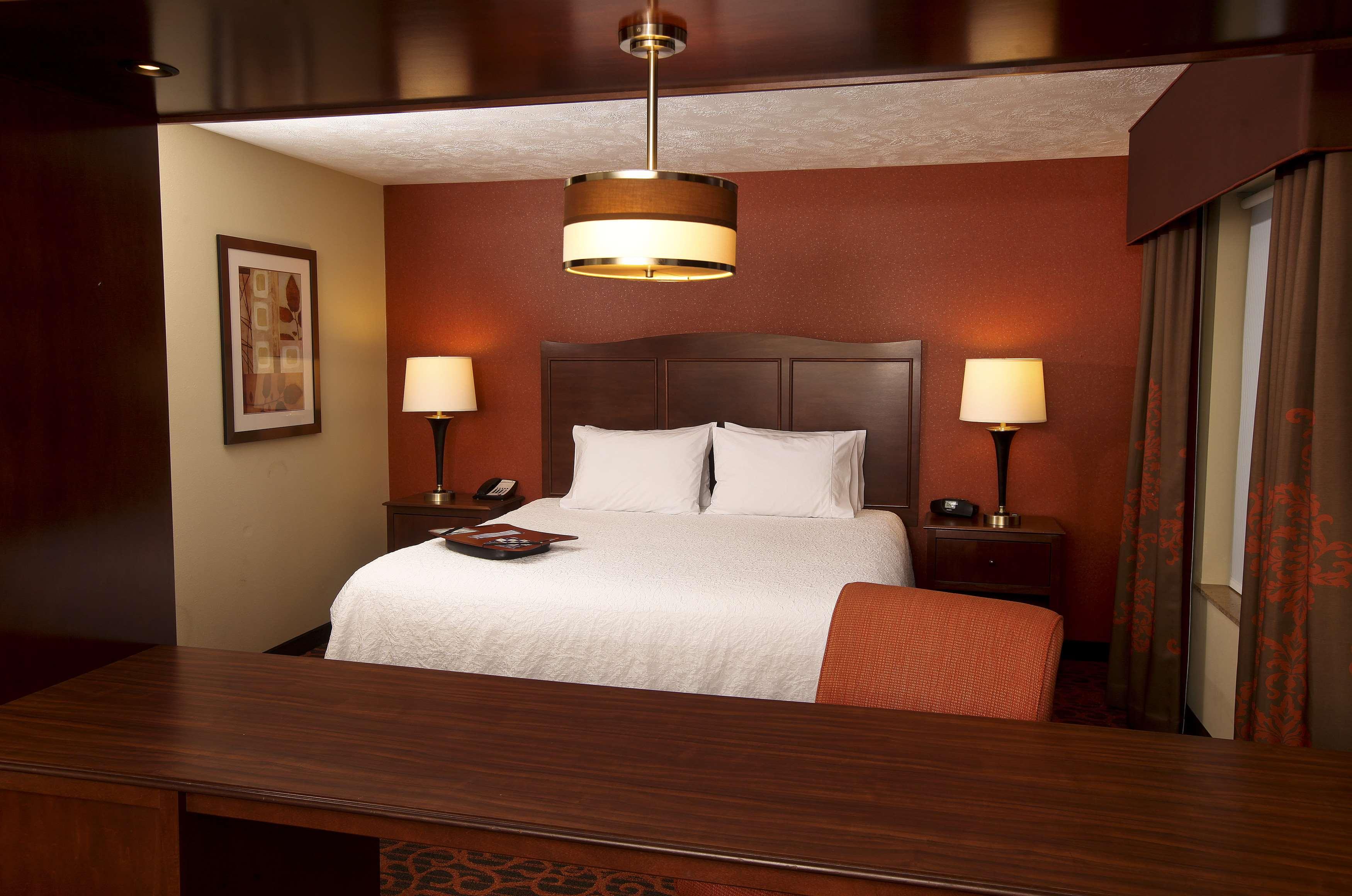 Hampton Inn & Suites Fargo image 19