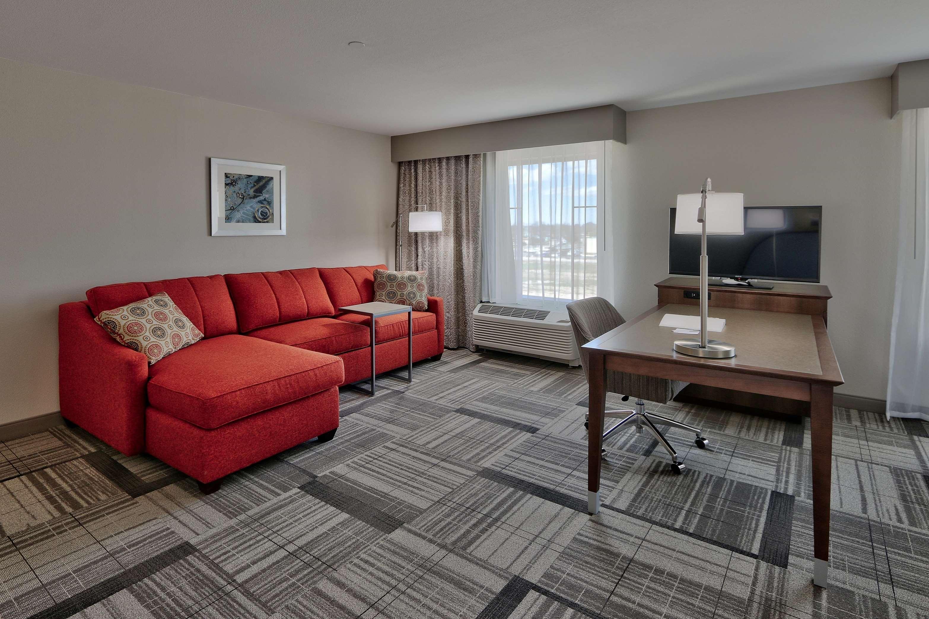 Hampton Inn & Suites Artesia image 10