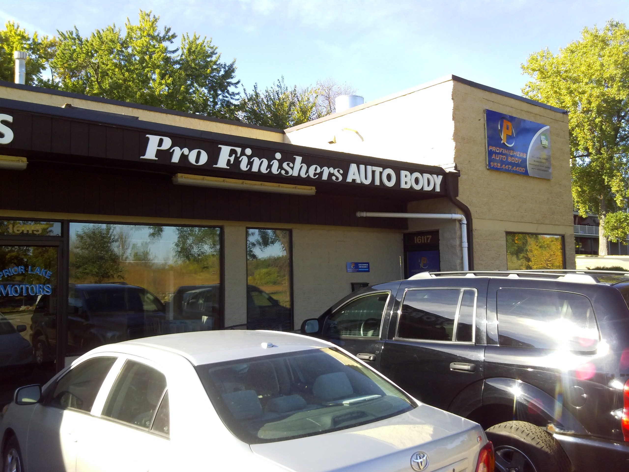 brad hanson 39 s profinishers auto body prior lake mn business directory. Black Bedroom Furniture Sets. Home Design Ideas