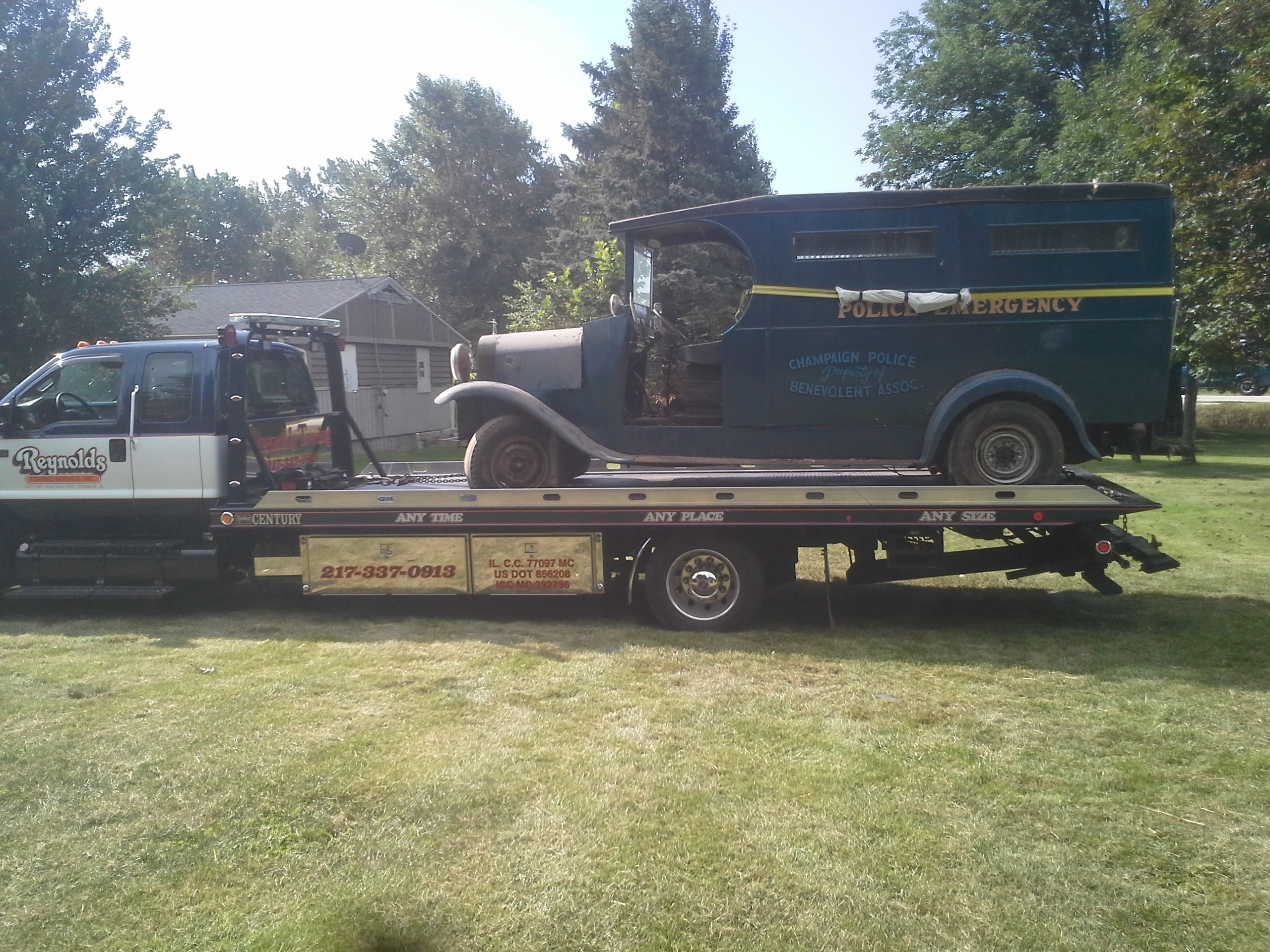 Reynolds Towing Service image 10