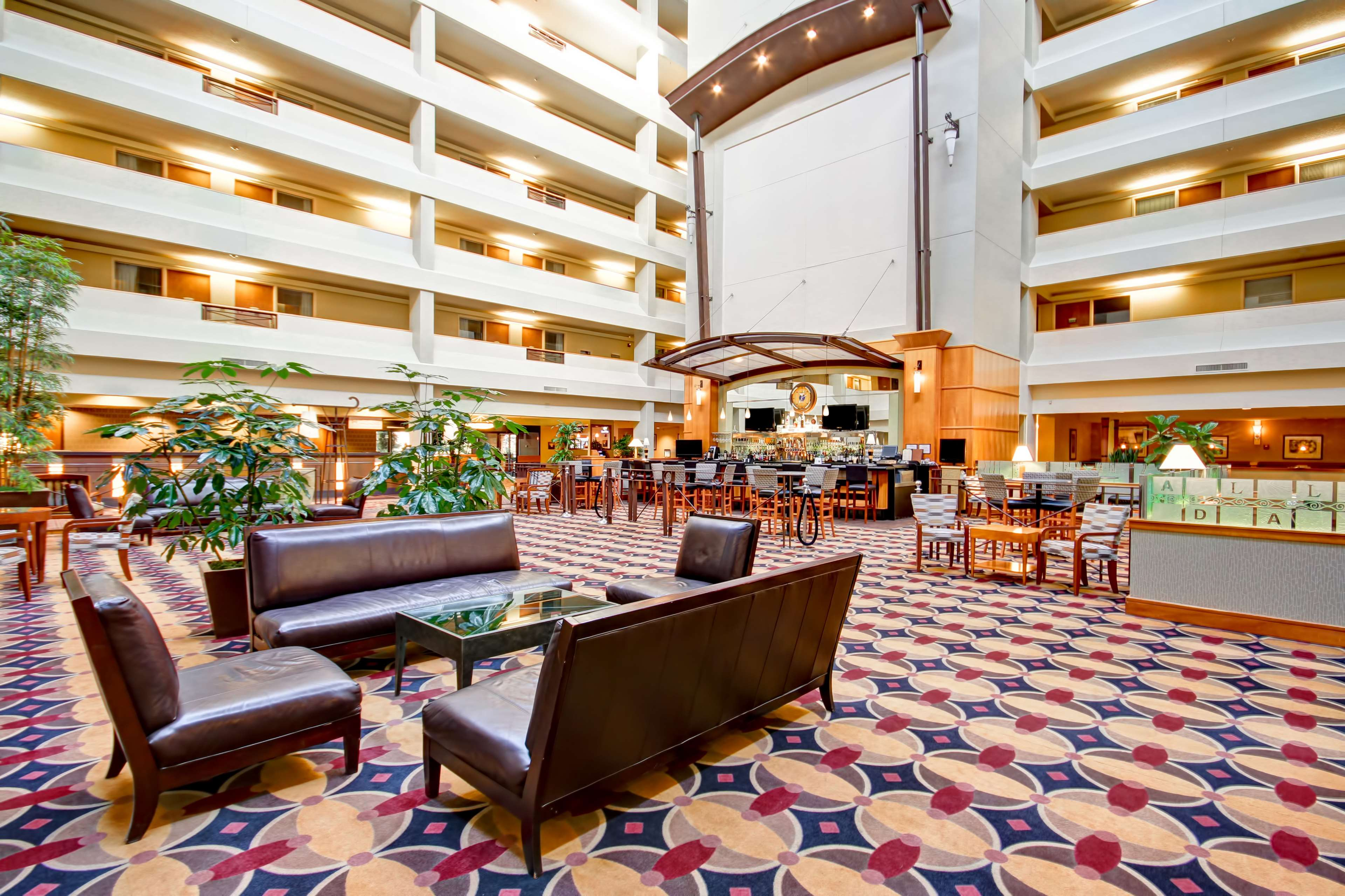 DoubleTree Suites by Hilton Hotel Seattle Airport - Southcenter image 2