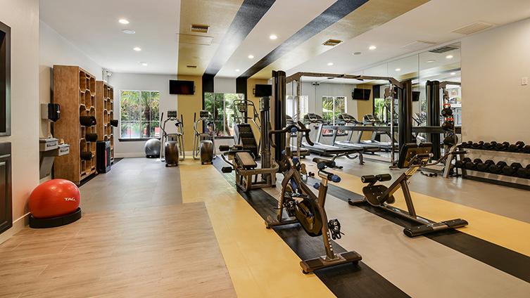 Capella at Rancho Del Oro Luxury Apartment Homes image 15