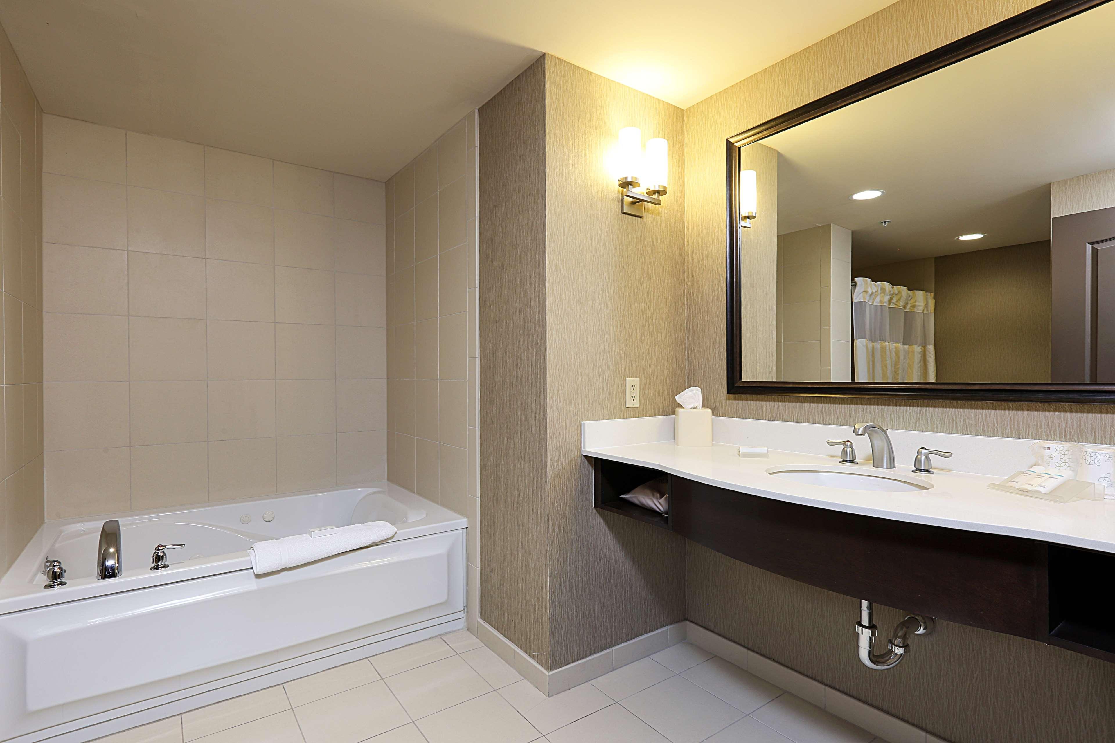 Hilton Garden Inn Clifton Park image 17