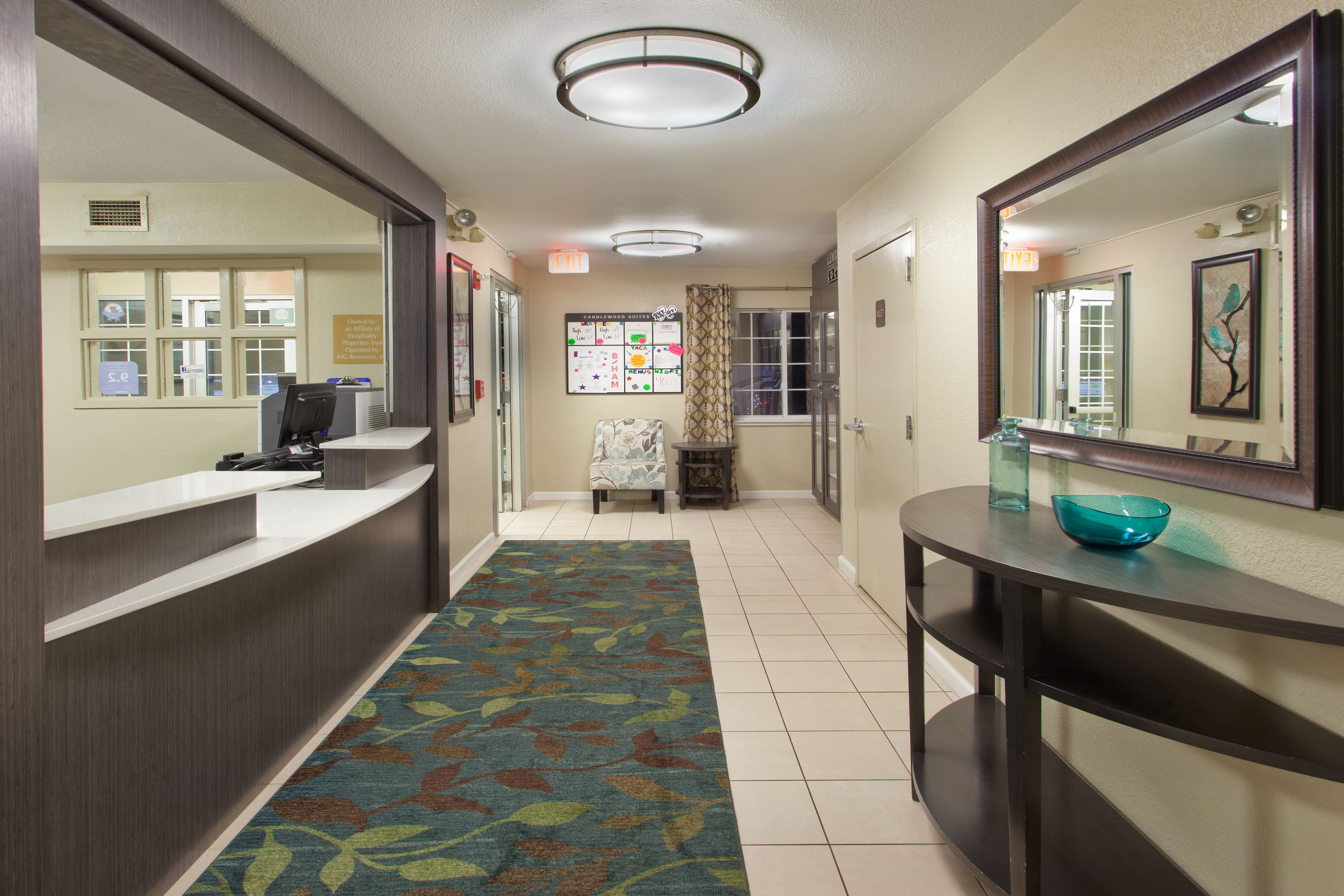 Candlewood Suites Cleveland-N. Olmsted image 3