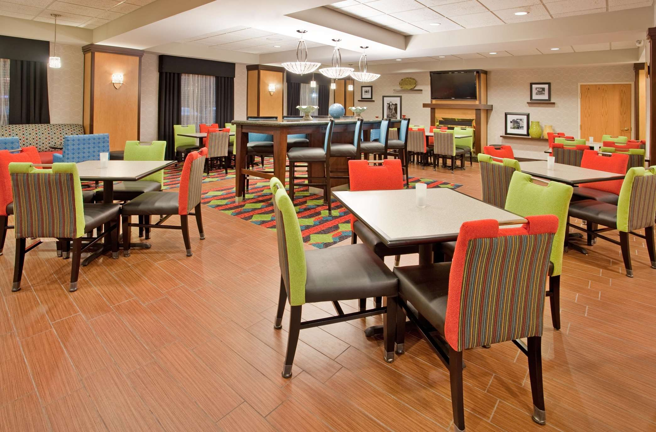 Hampton Inn Norfolk image 1