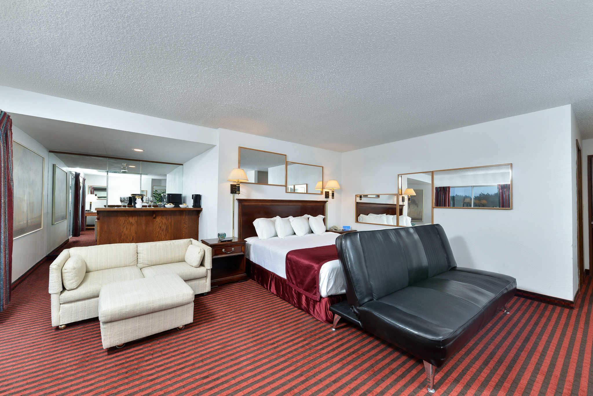 Rodeway Inn & Suites - Closed image 13