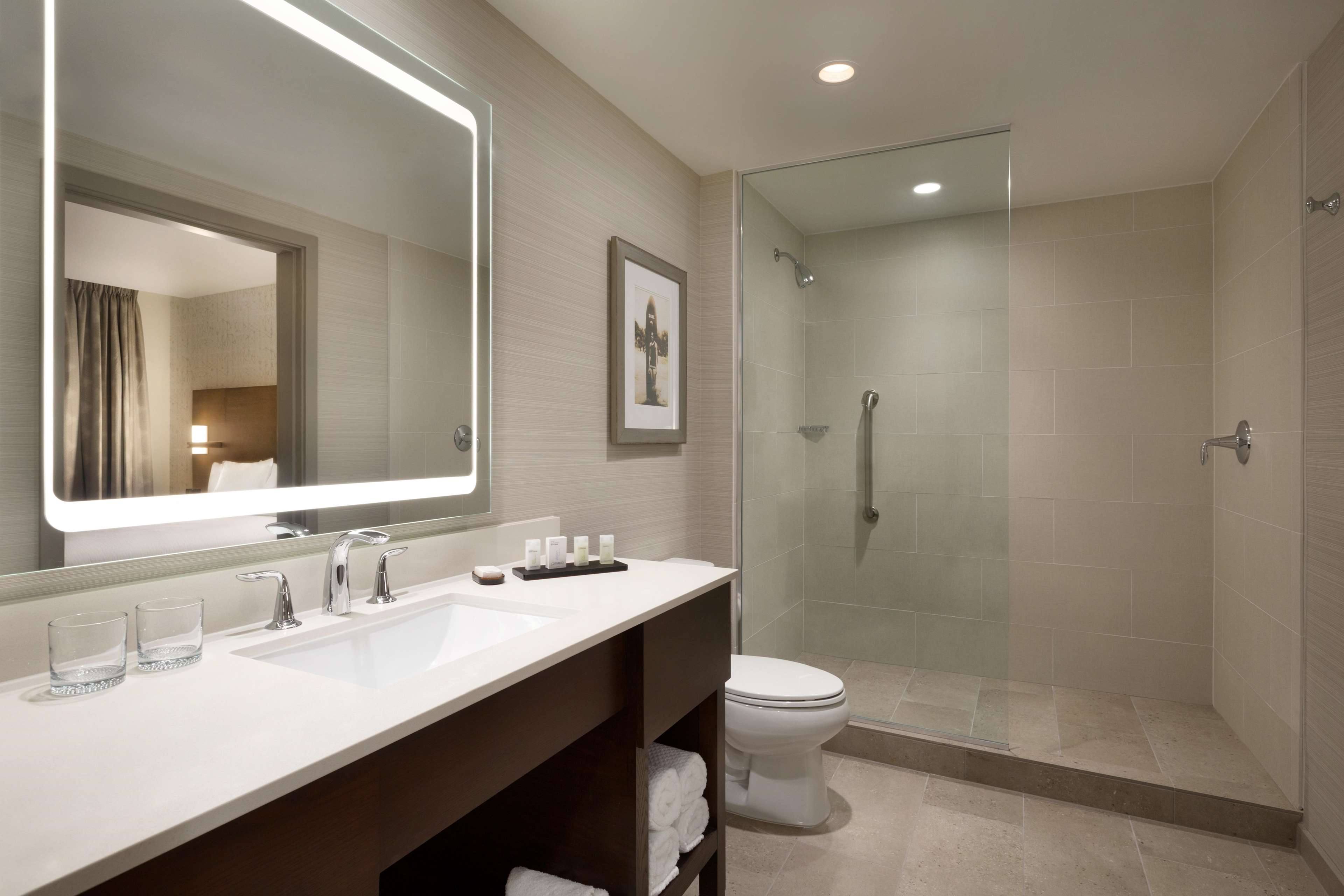 Embassy Suites by Hilton Oahu Kapolei image 24