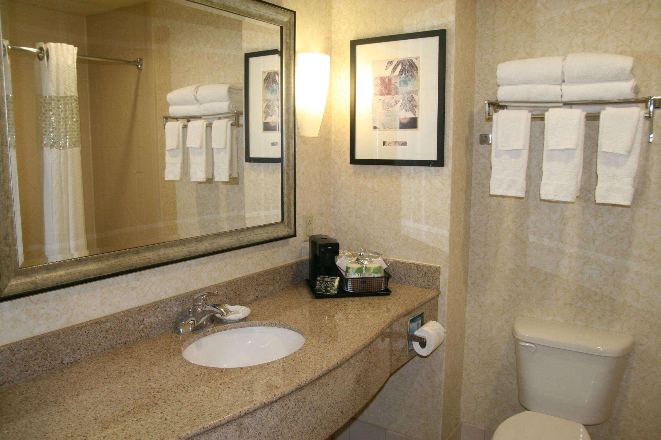 Hampton Inn & Suites Spartanburg-I-26-Westgate Mall image 40
